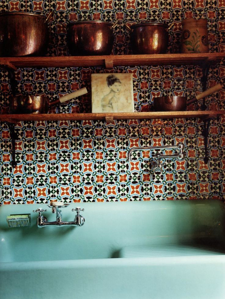 Tiled-kitchen-backsplash