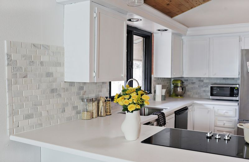 ... How To Tile A Kitchen Backsplash With Marble ...