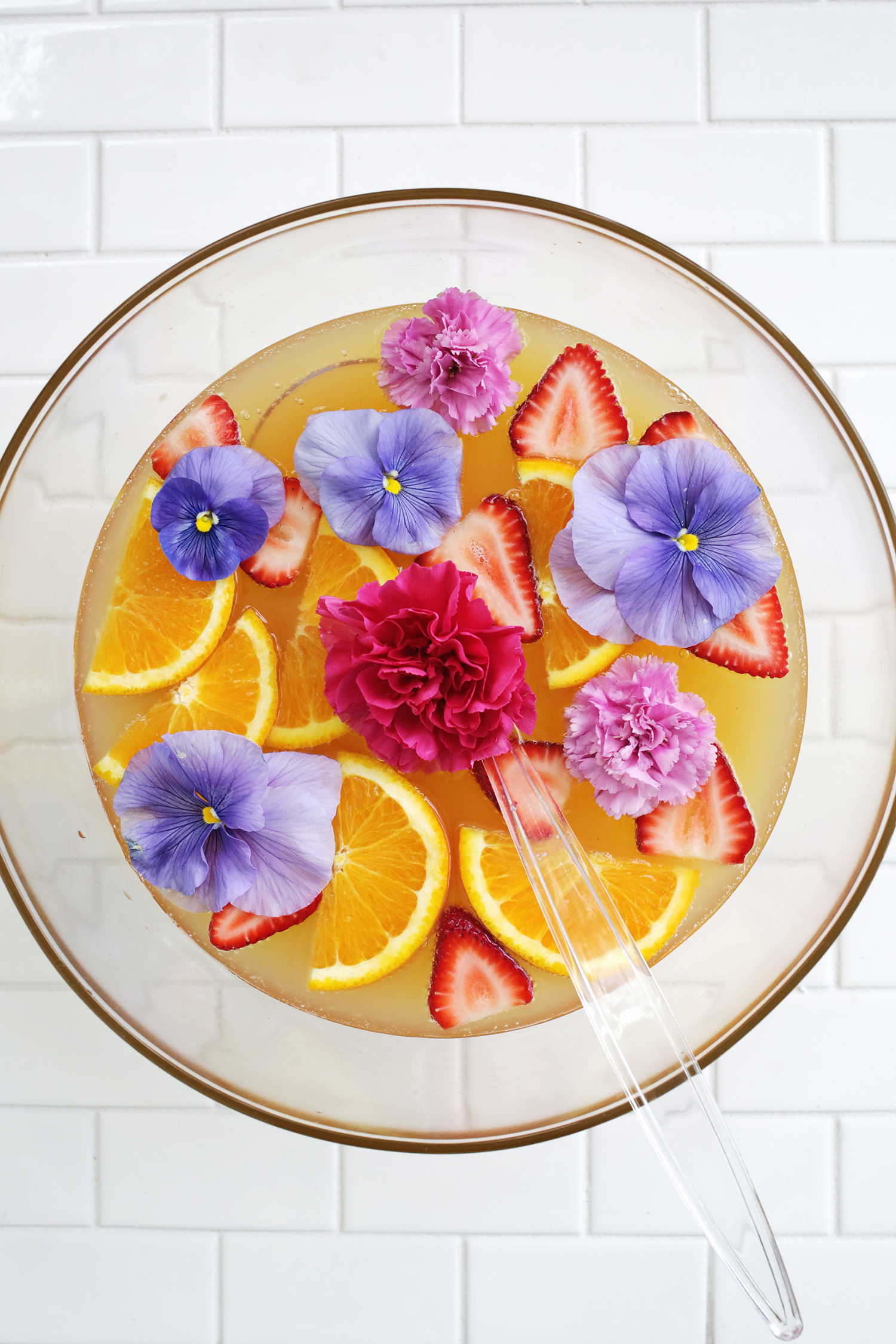 So pretty! Pineapple Citrus Punch (click through for tutorial)