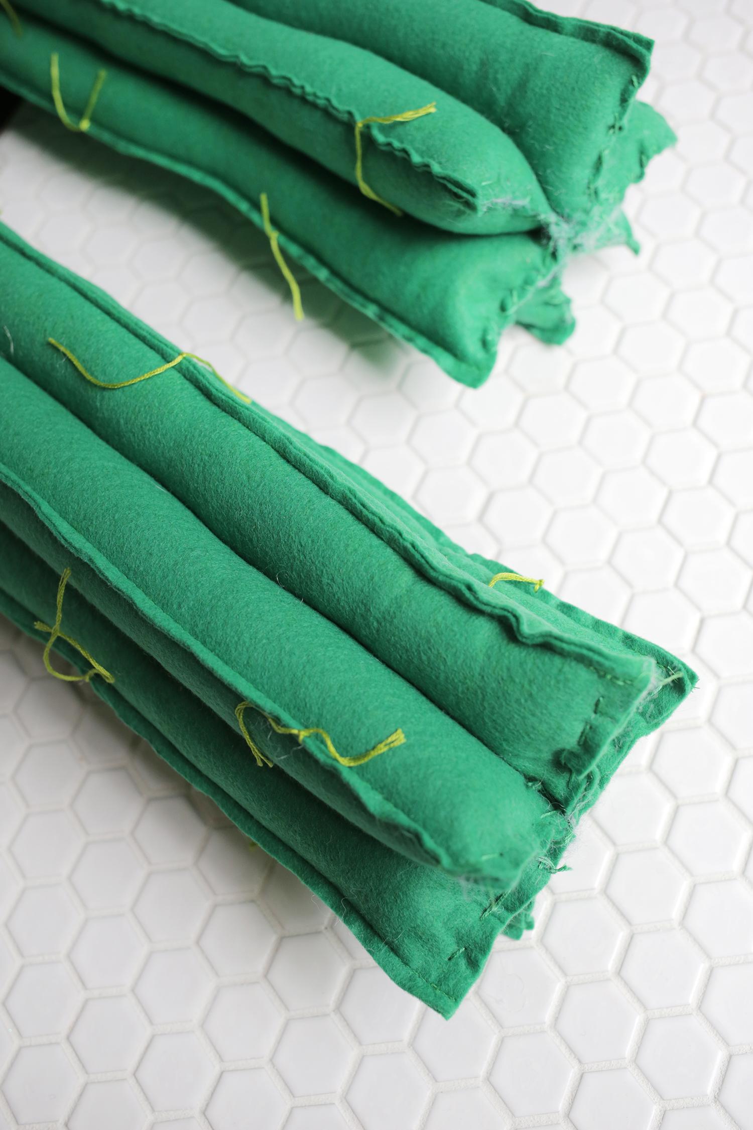 Felt Cactus Plush DIY (click through for tutorial)