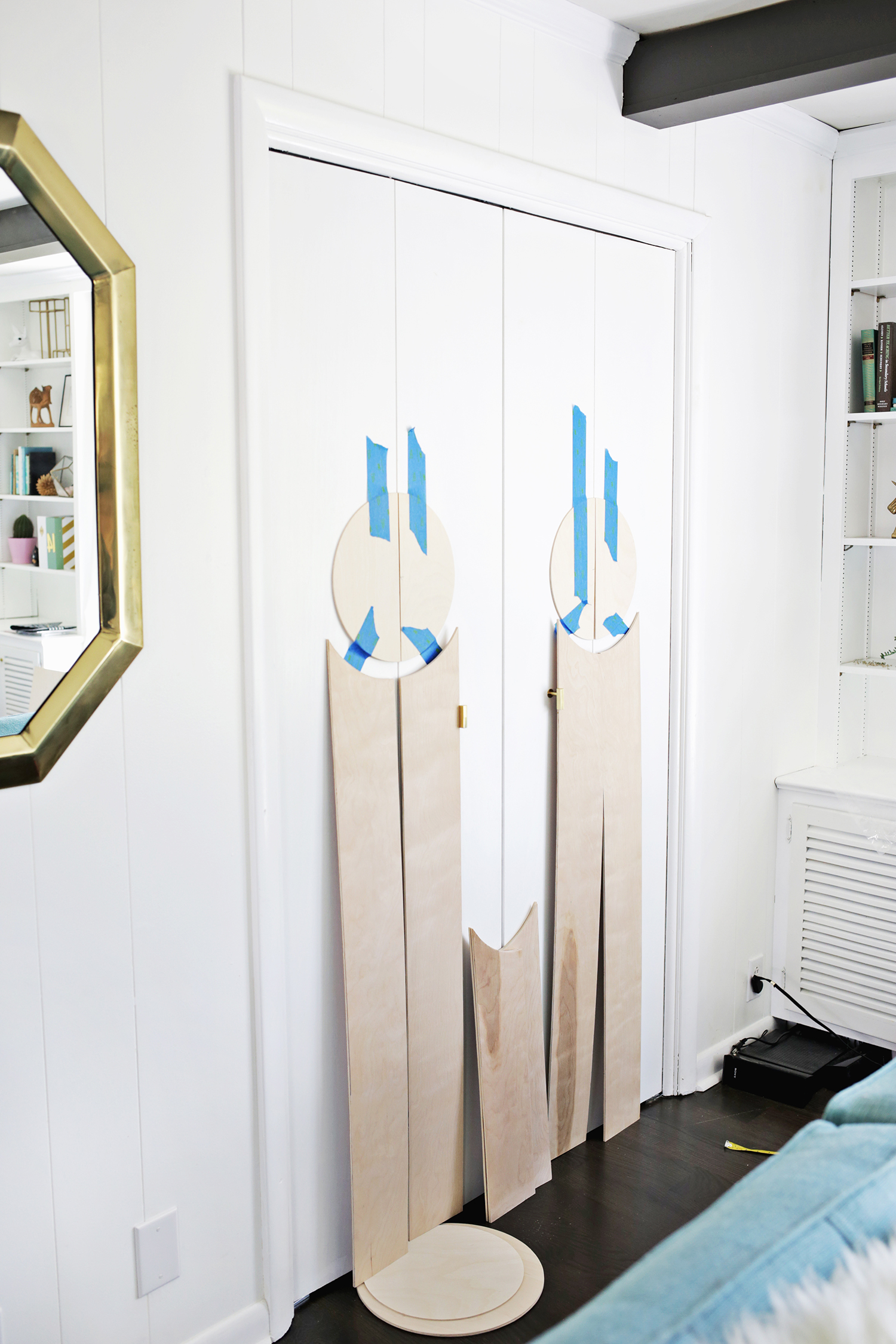 Add Geometric Panels To Your Plain Closet Doors! (click through for tutorial) & Add Geometric Panels to Your Plain Closet Doors - A Beautiful Mess