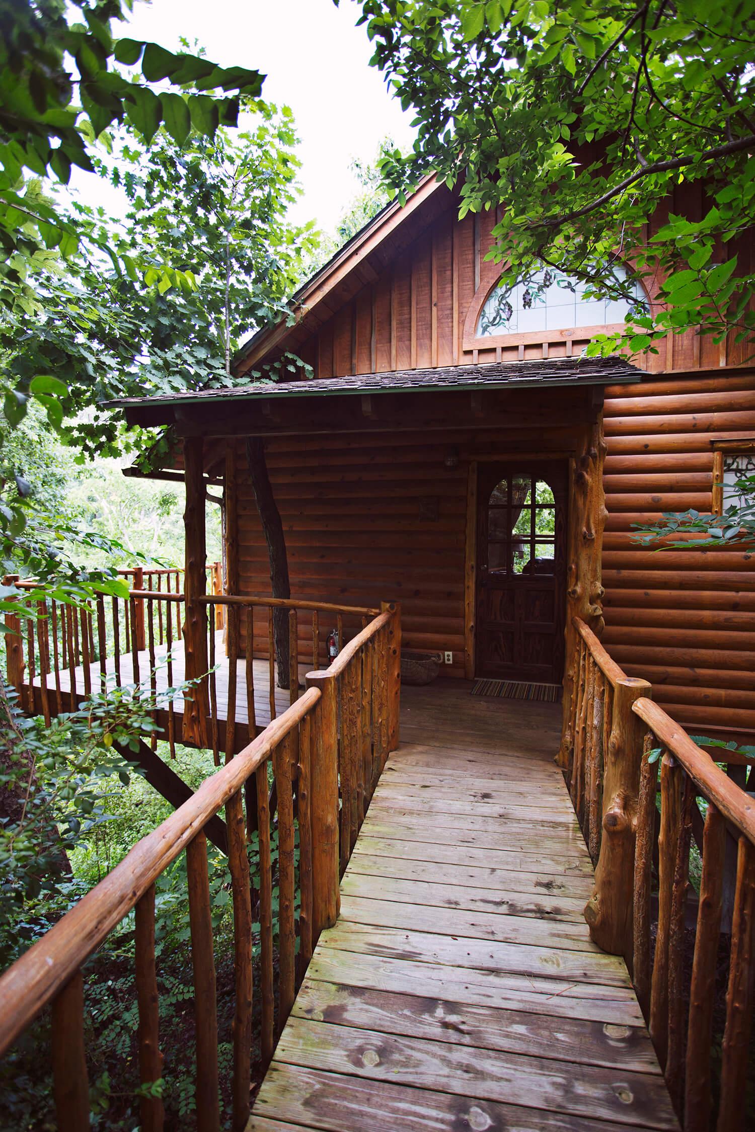 cottages cottage eureka treehouse springs chateau