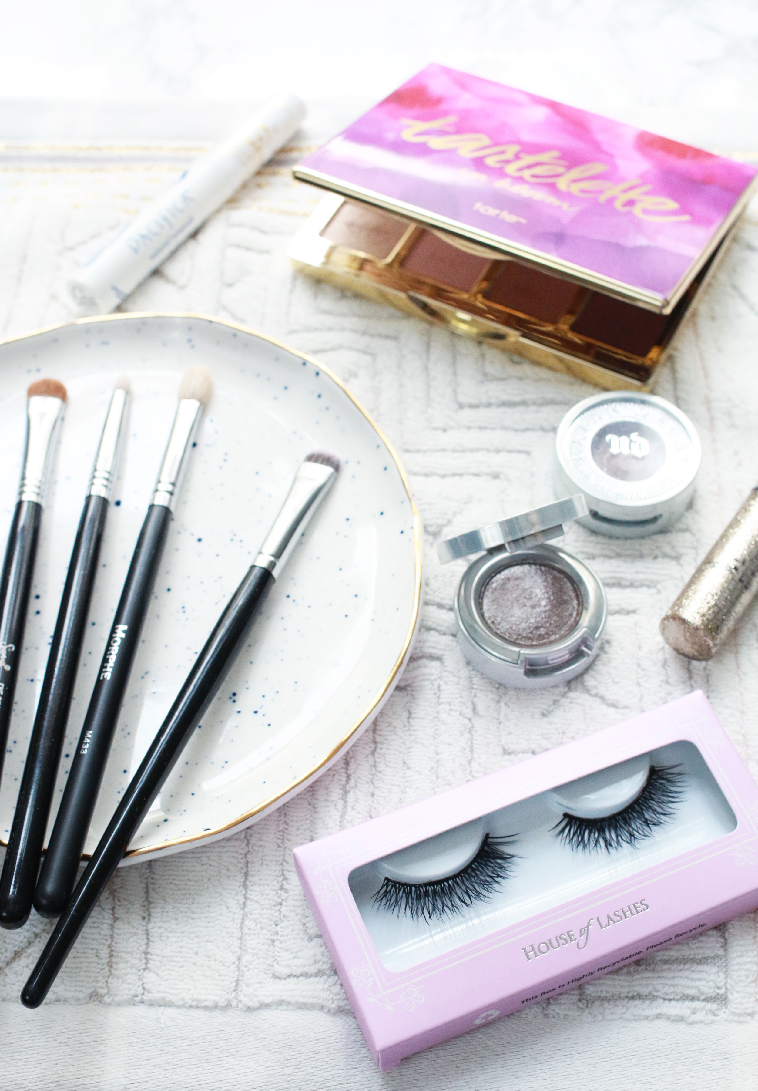 2f6b7bdfa13 From Day to Date Night Eye Makeup Routine | A Beautiful Mess | Bloglovin'
