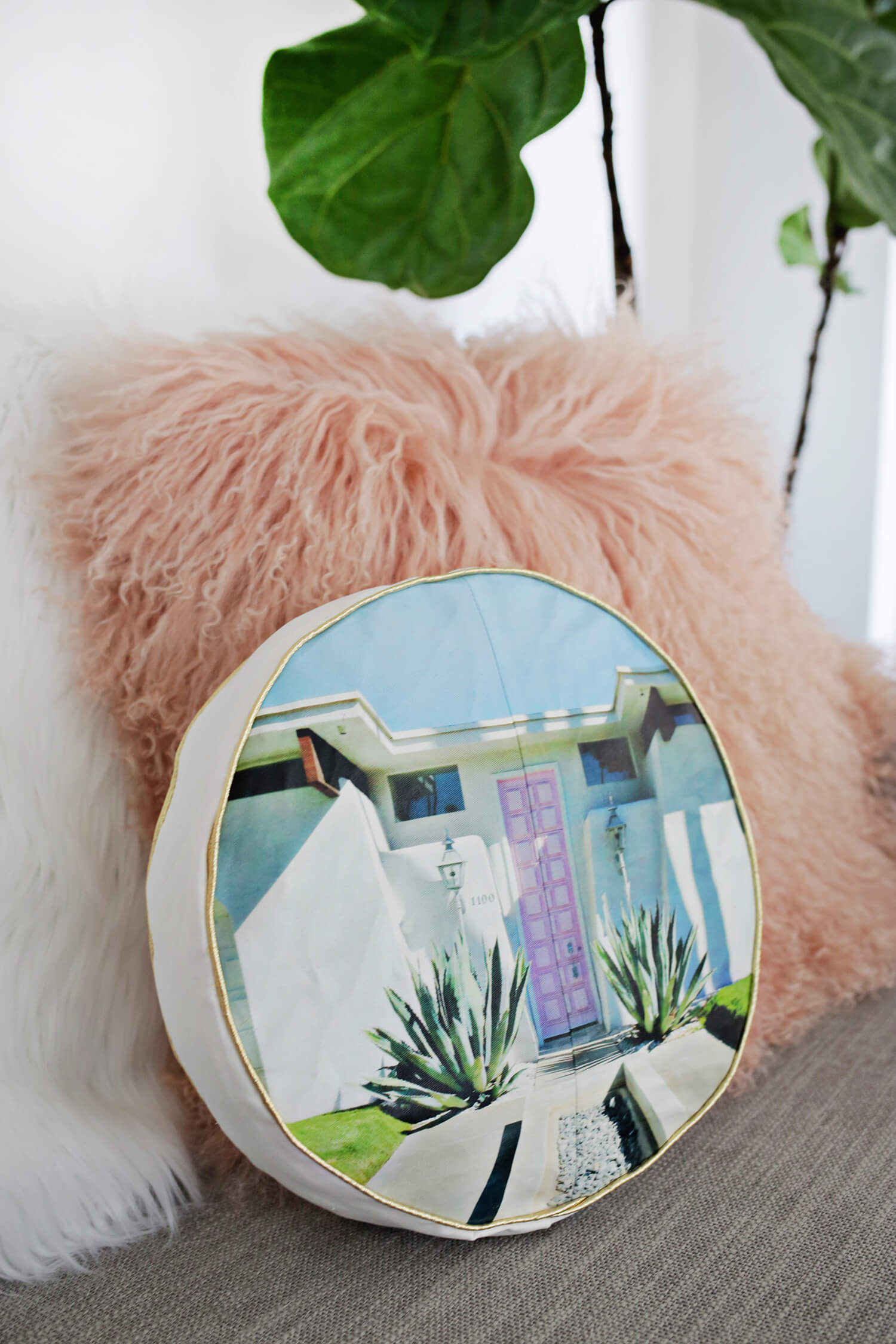Palm Springs Photo Pillow DIY (click through for tutorial)