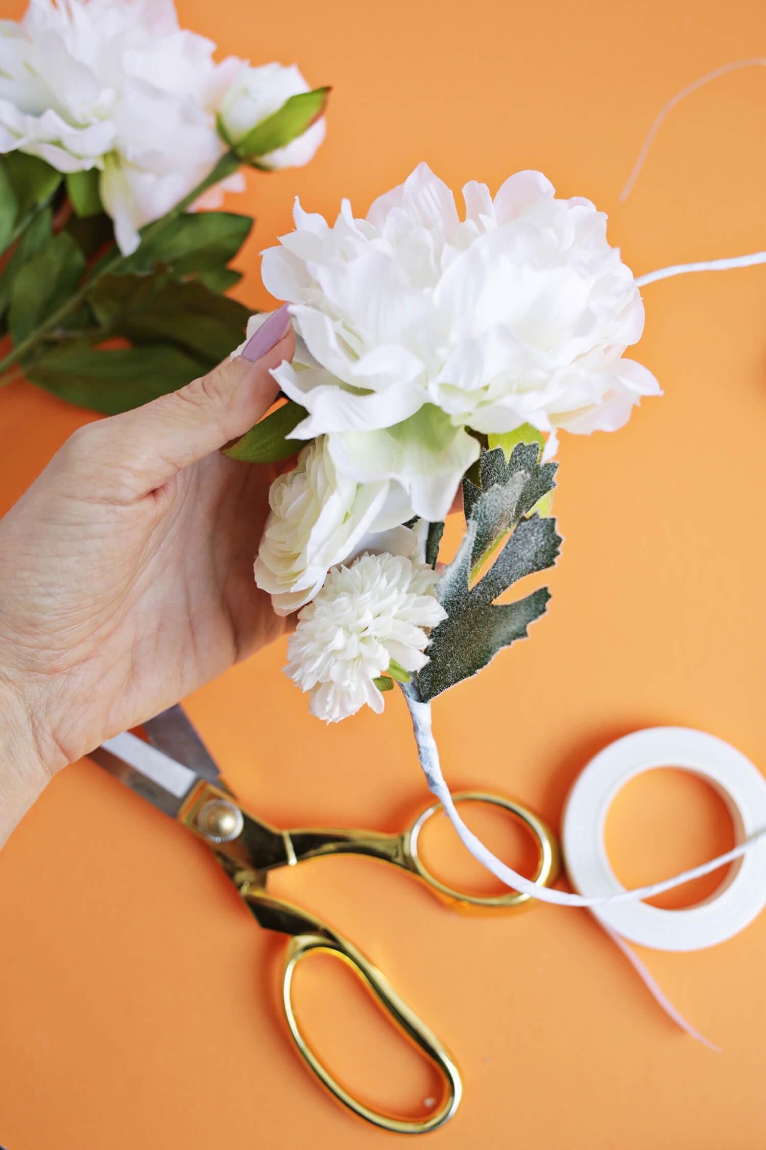 Flower crown DIY! (click through for tutorial)