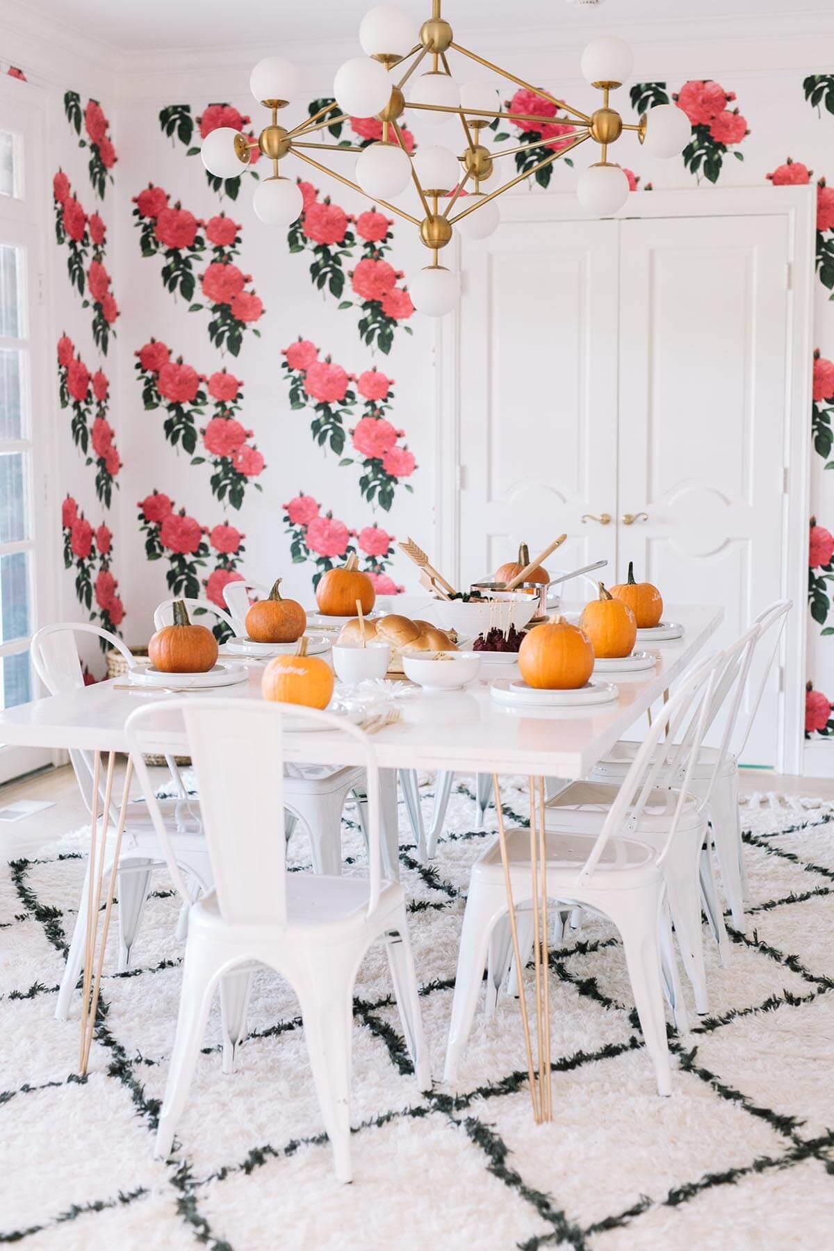 Thanksgiving table setting decor