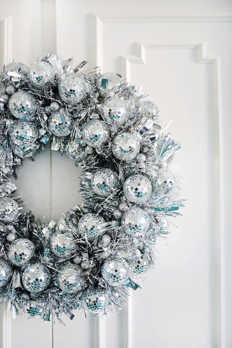 Disco wreath diy