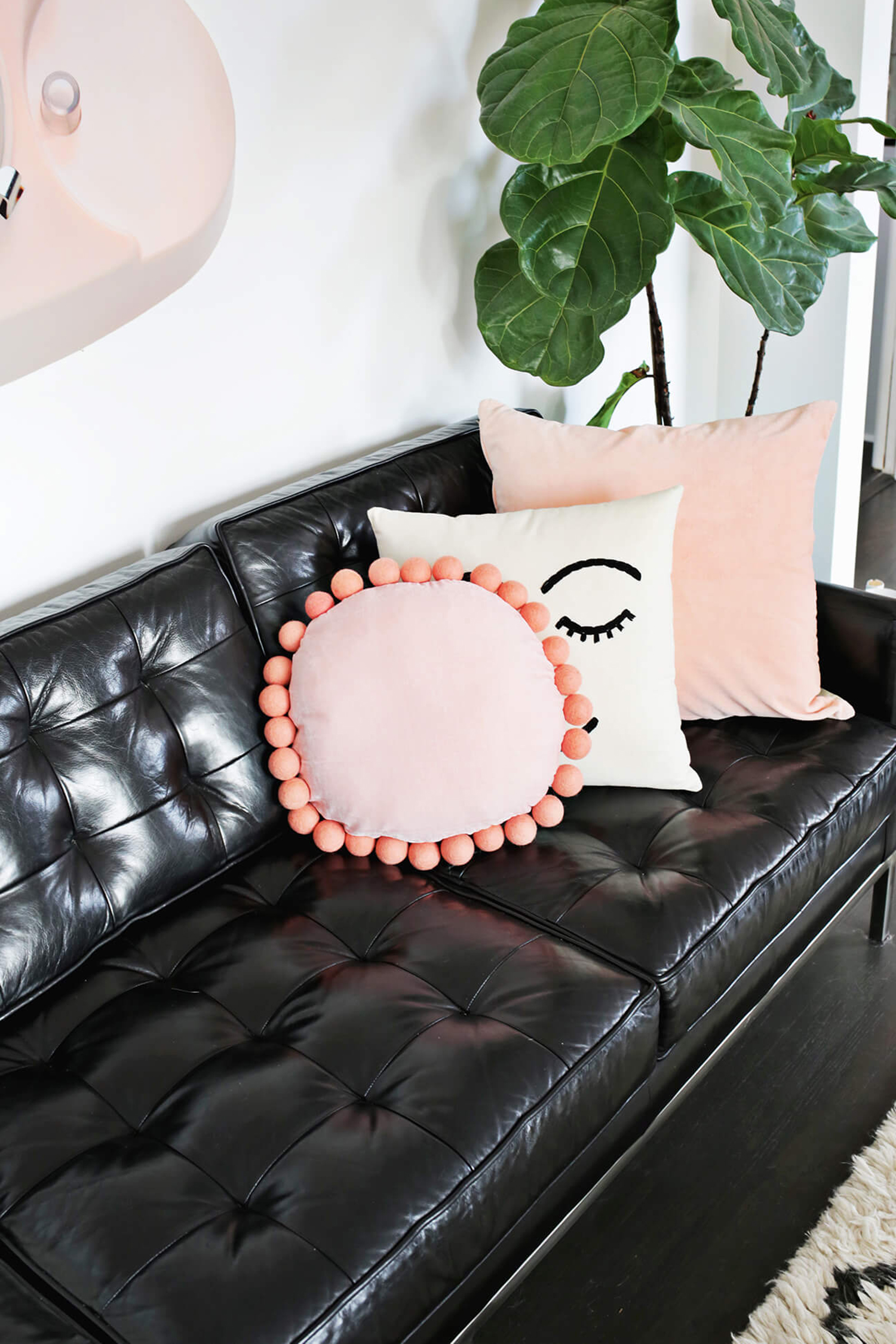Adorable Round Felt Ball Pillow DIY (click through for tutorial)