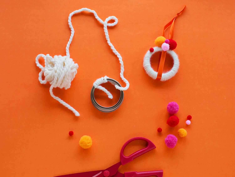 Mason jar mini wreaths DIY