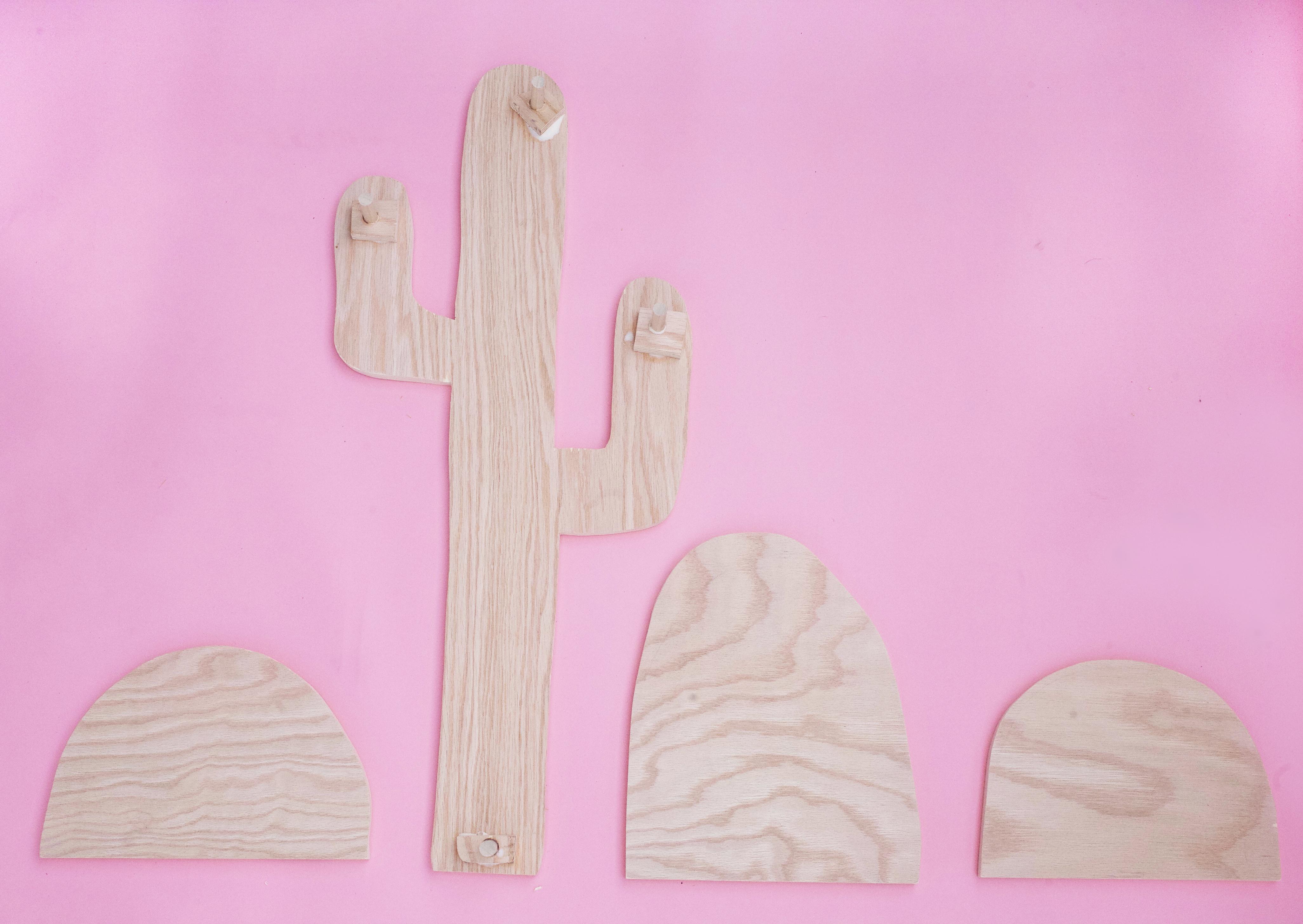 Cactus Marquee Sign DIY (click through for tutorial!)