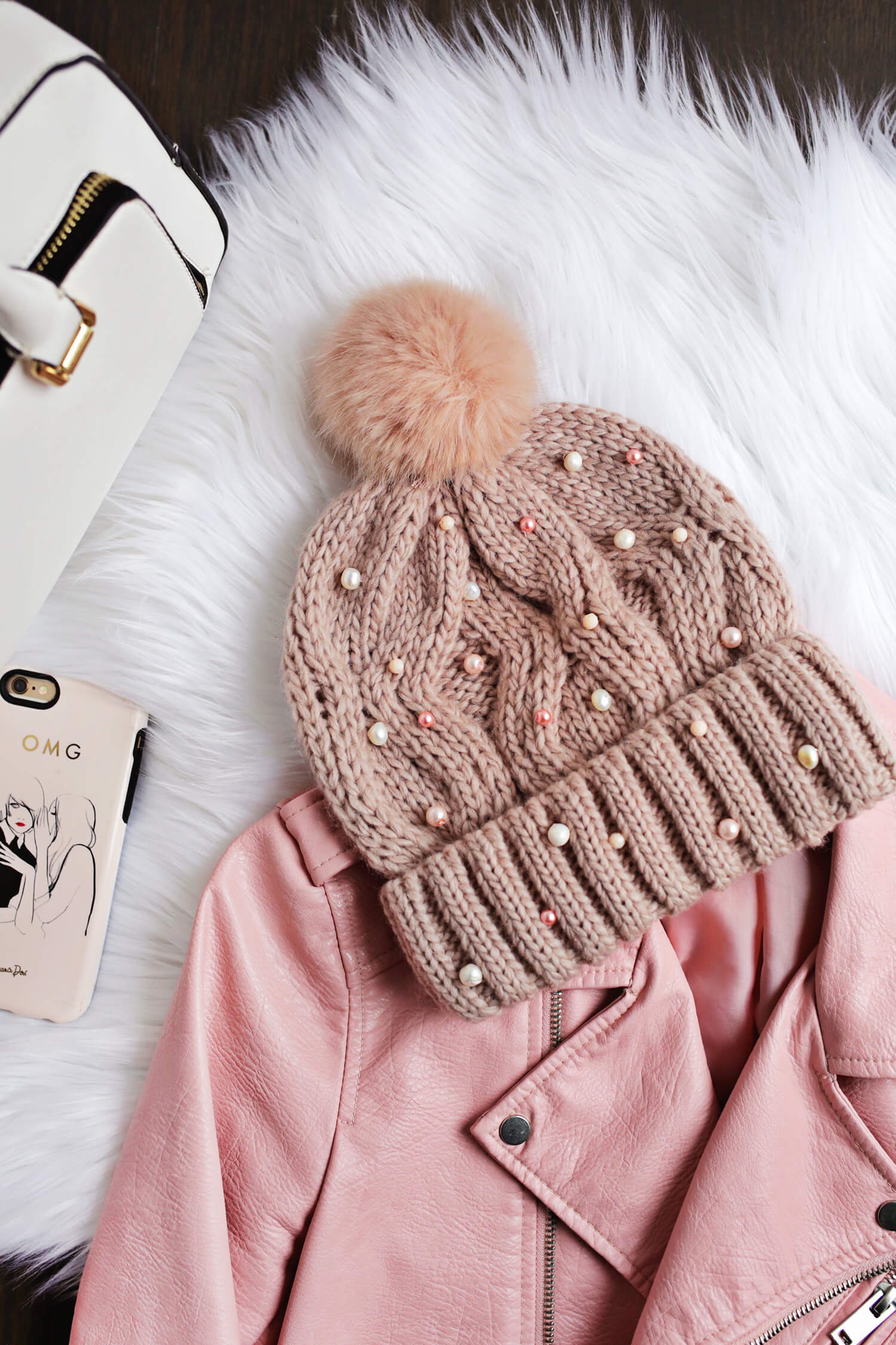 Cute Beaded Beanie DIY! (click through for tutorial)