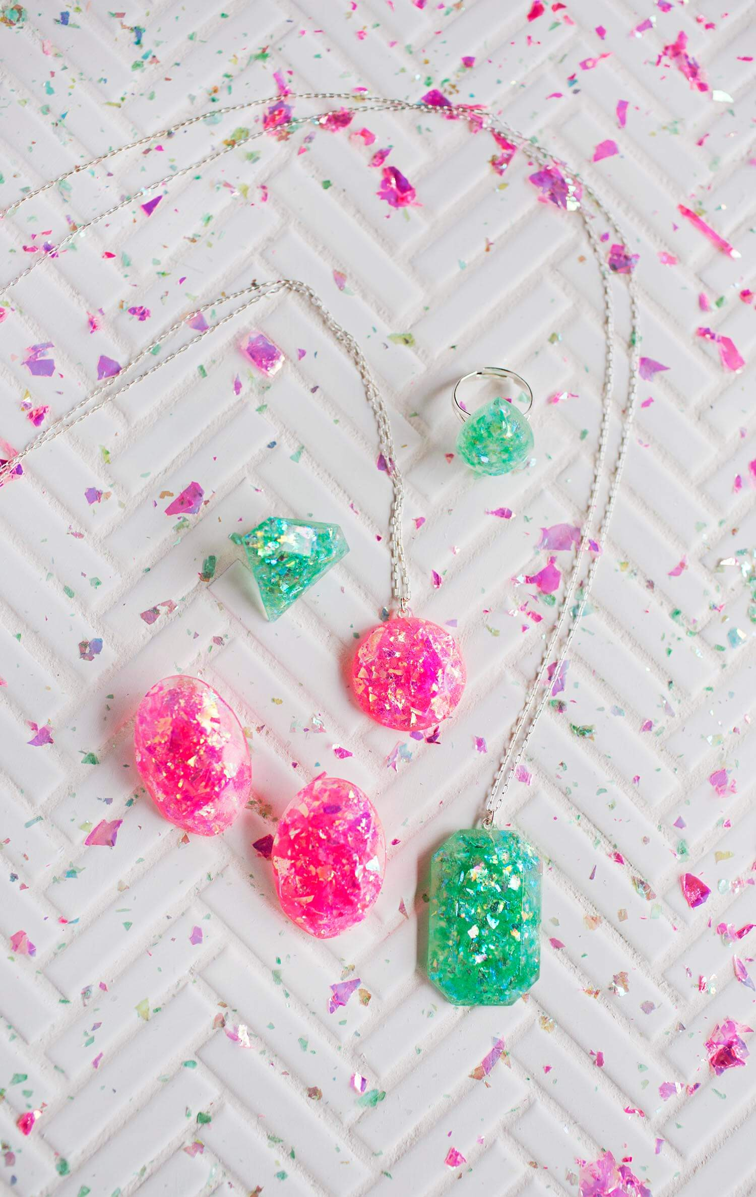 DIY Epoxy Resin Jewelry (via abeautifulmess.com)