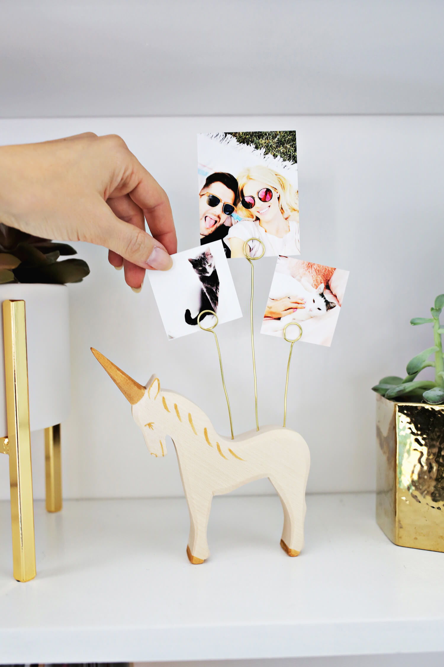 Wooden Animal Photo Holder DIY (click through for tutorial)