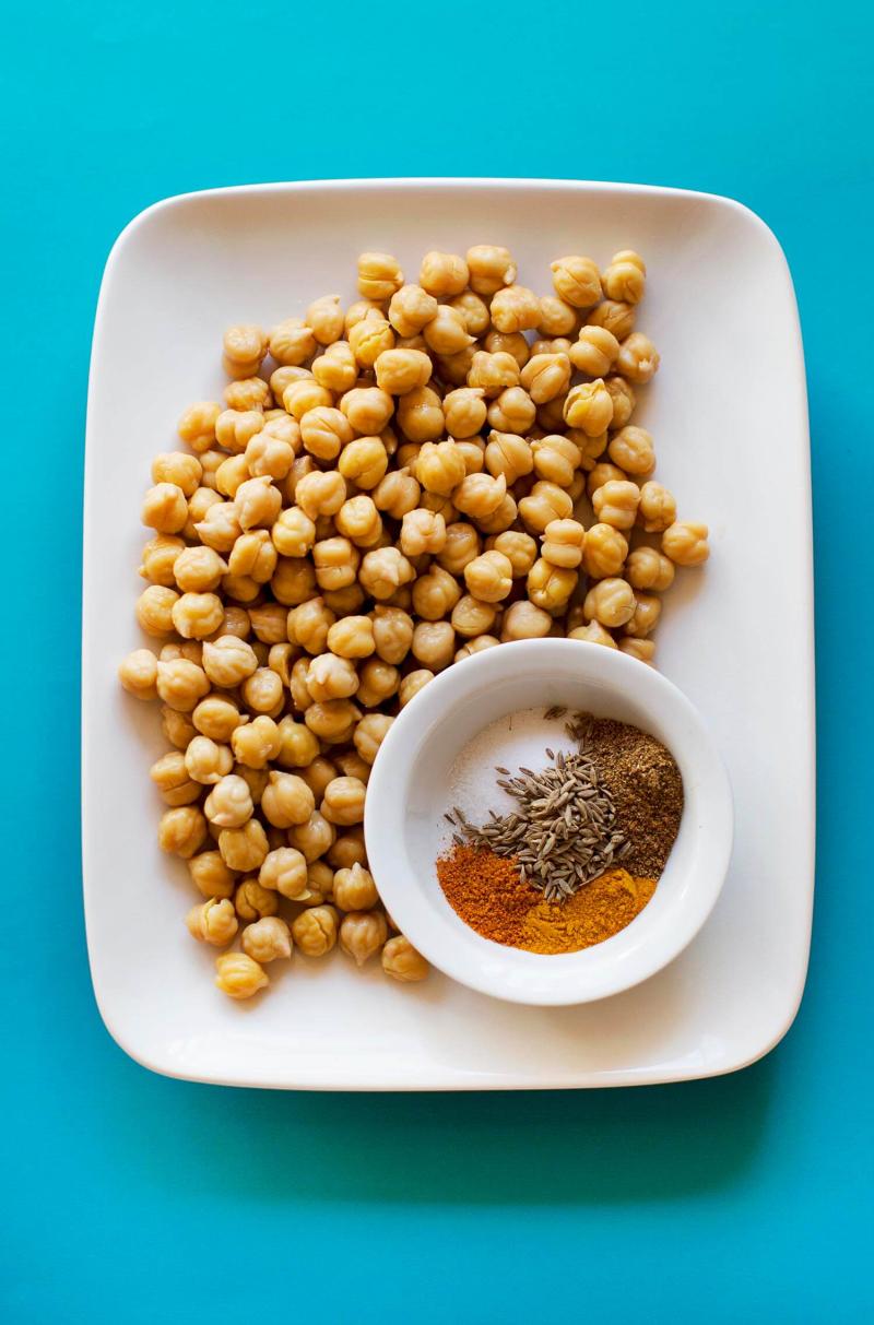 Easy homemade hummus recipe