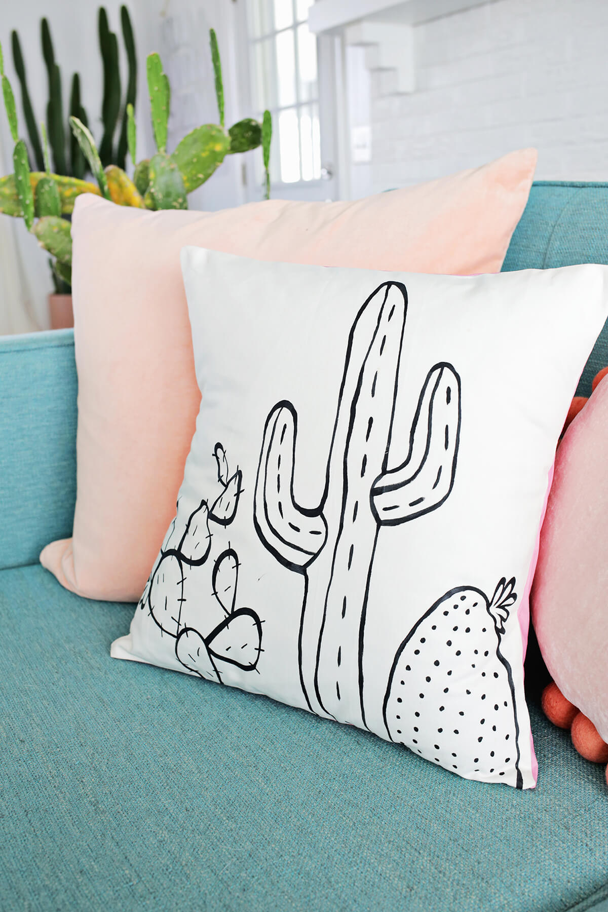 cactus painted pillow diy