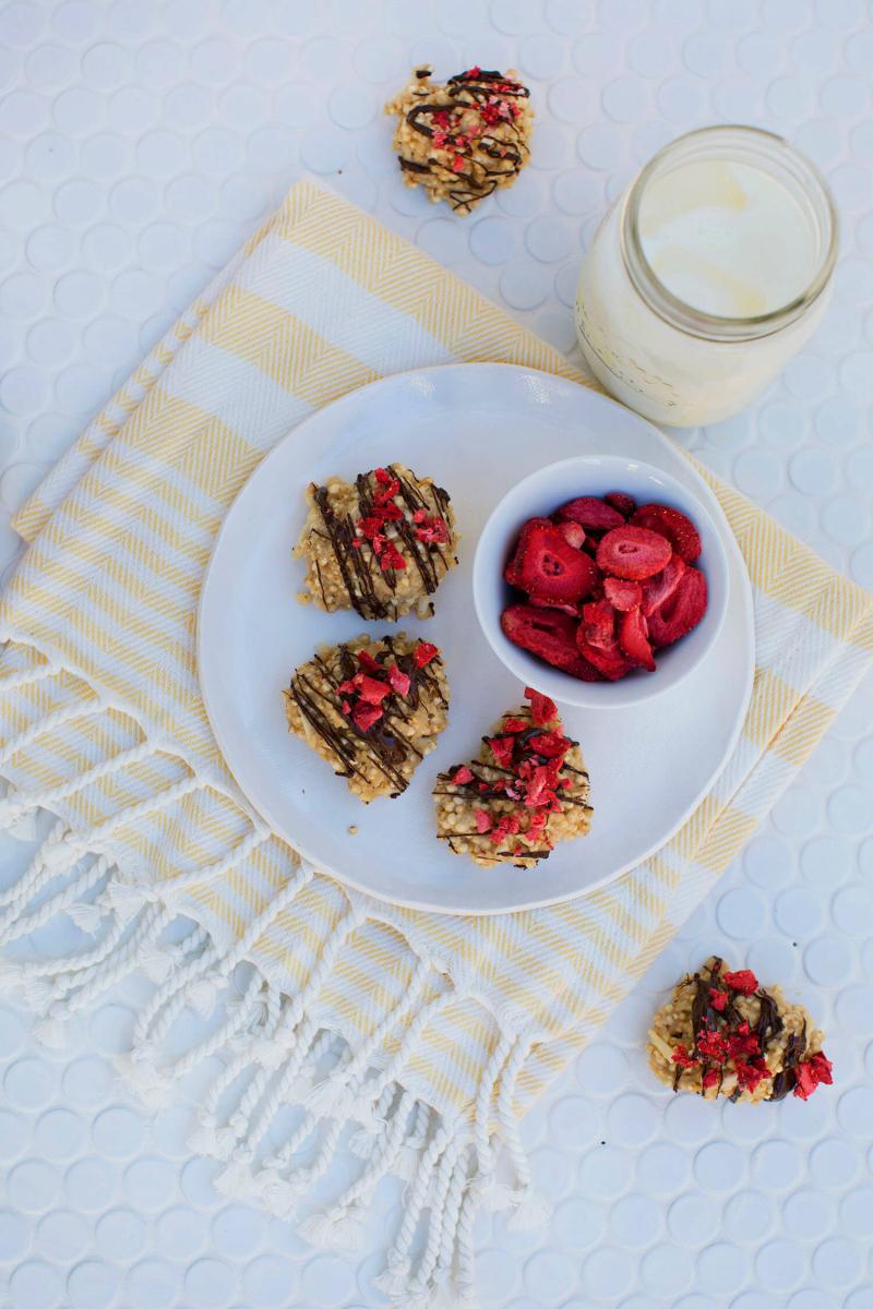 Peanut Butter and Quinoa Cookies (via abeautifulmess.com)