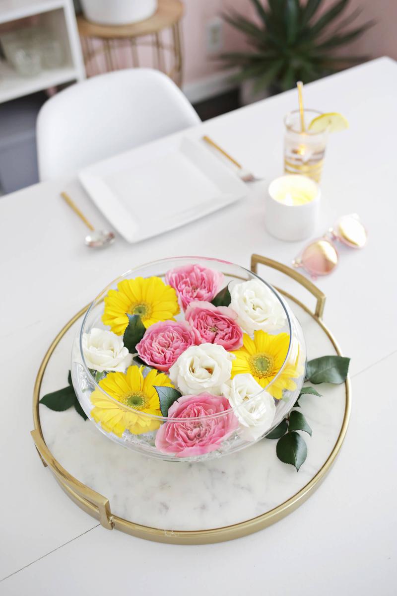 Easy Floating Floral Arrangement DIY (click through for tutorial)
