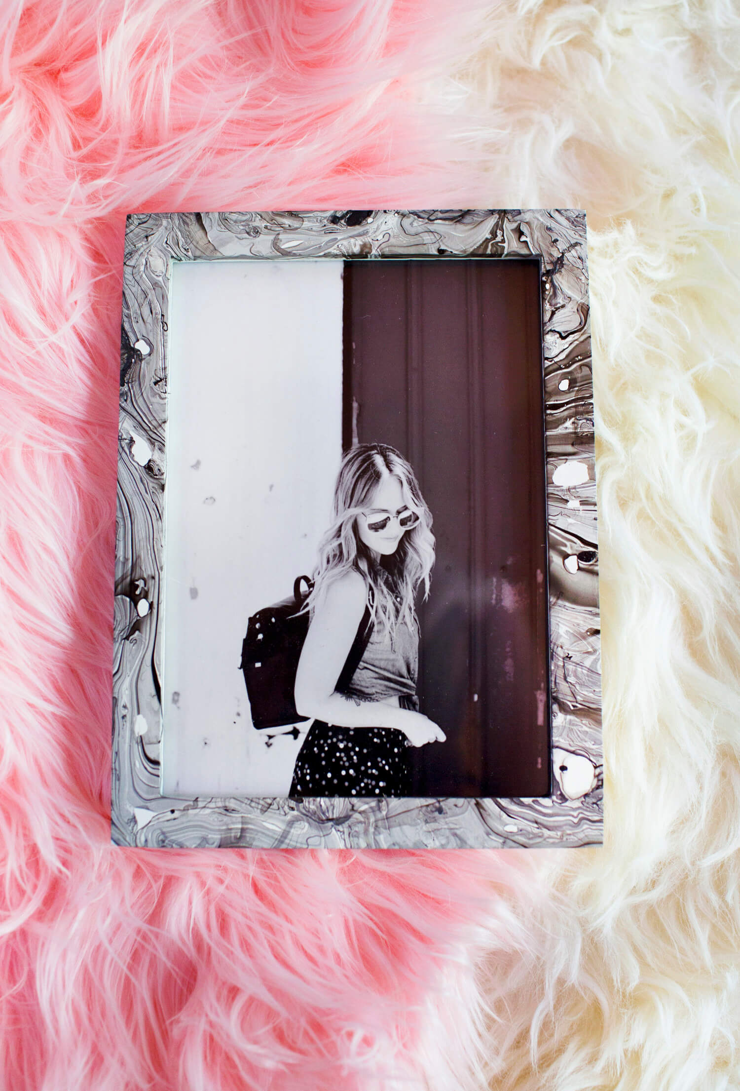 How to marble a picture frame