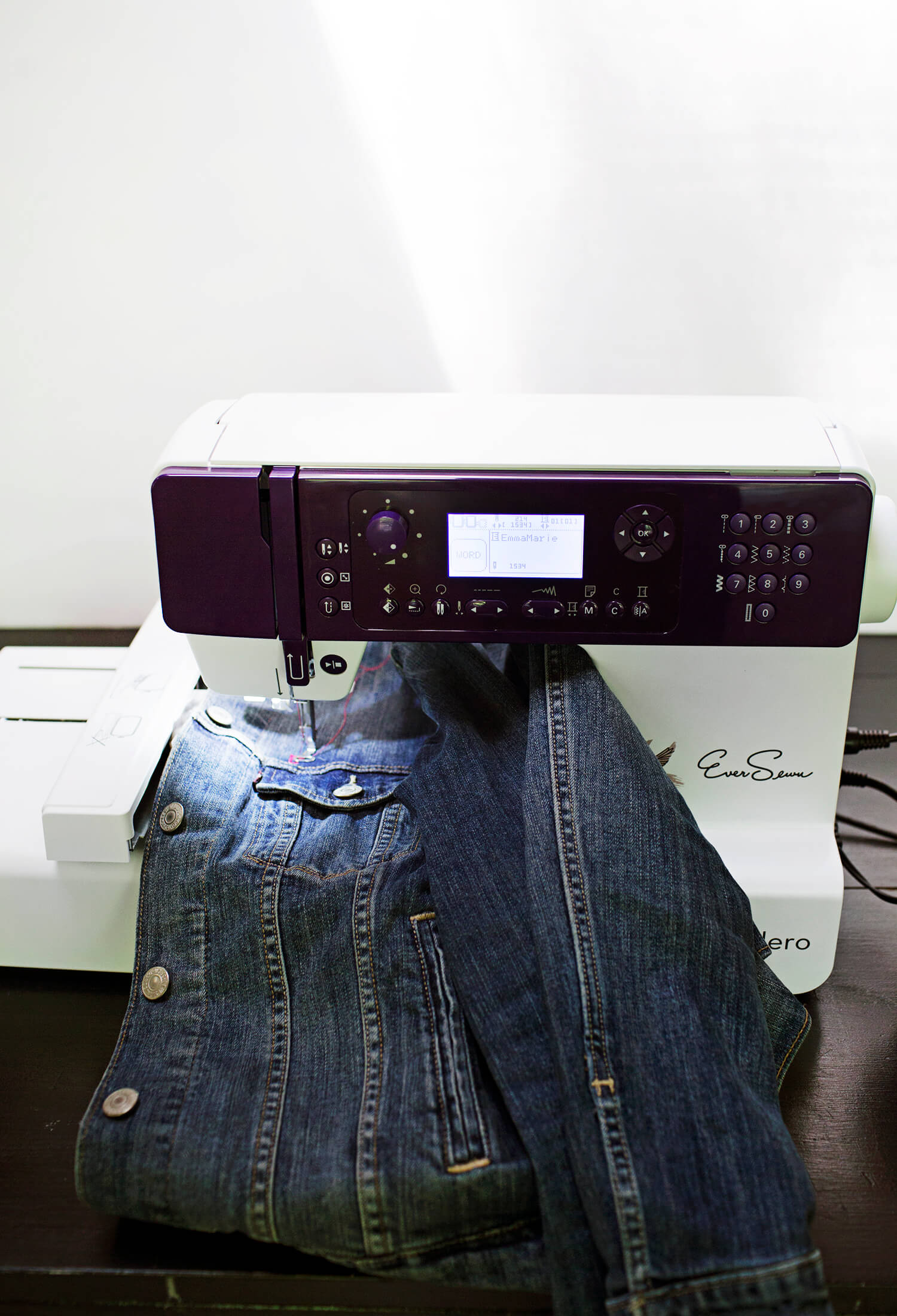 EverSewn Hero embroidery and sewing machine