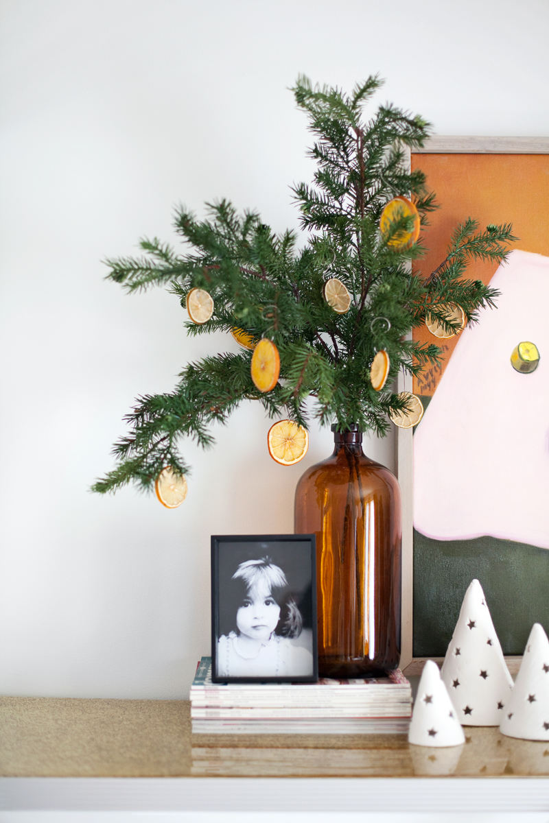 How To Make A Dried Orange Christmas Decoration - Citrus ornaments are so easy to make