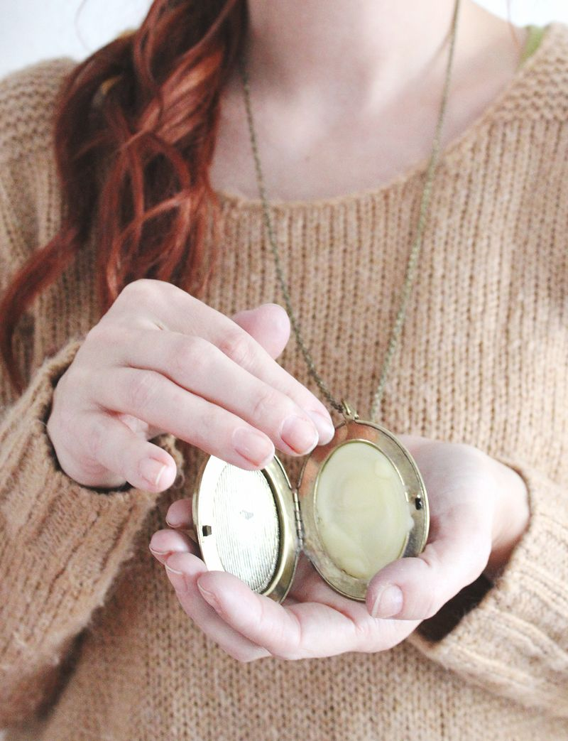 Love this gift idea- Make Your Own Solid Perfume
