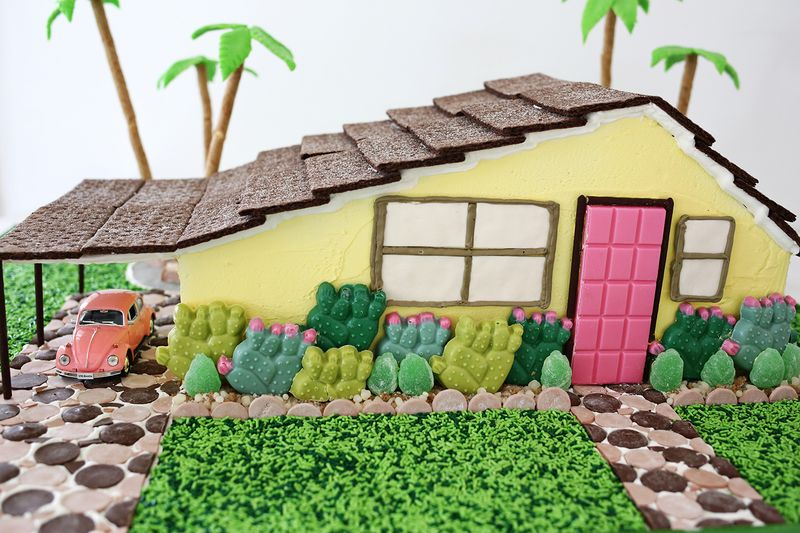 Palm Springs Gingerbread House (OMG!!) Click through for more pics!