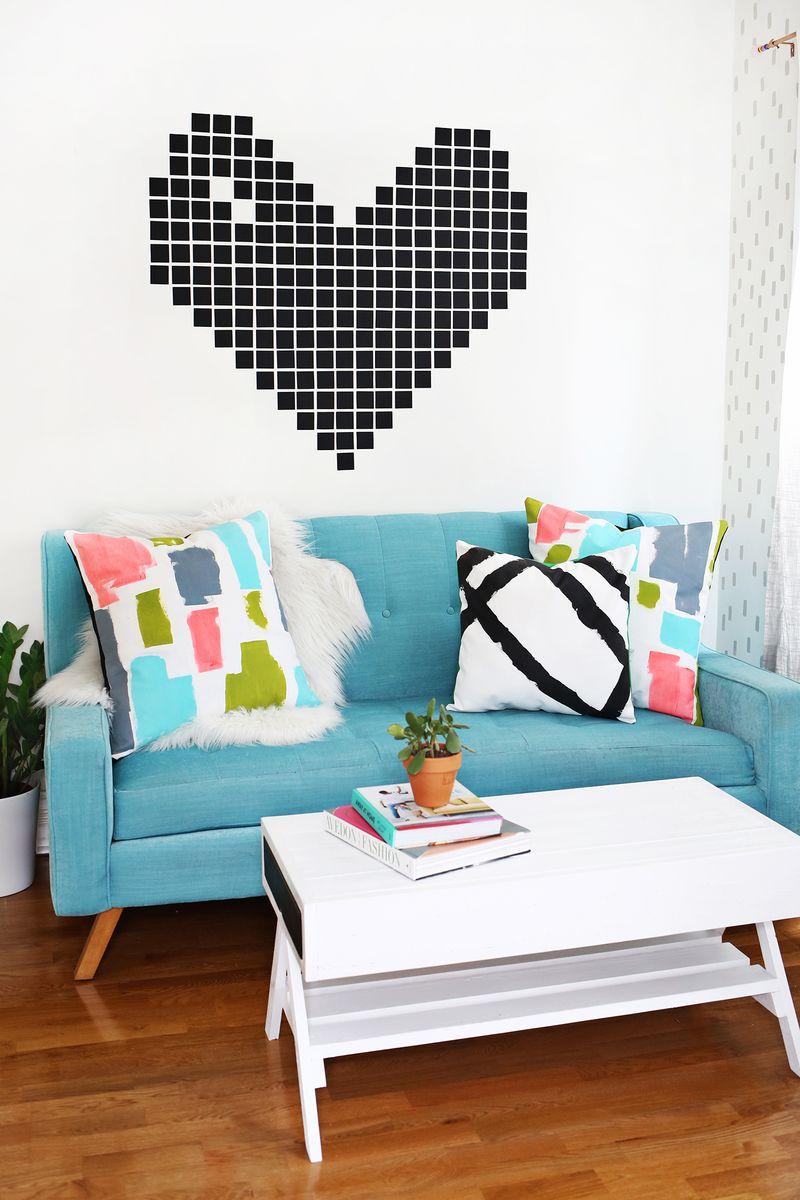 DIY abstract pillows—so cute! (click through for tutorial)
