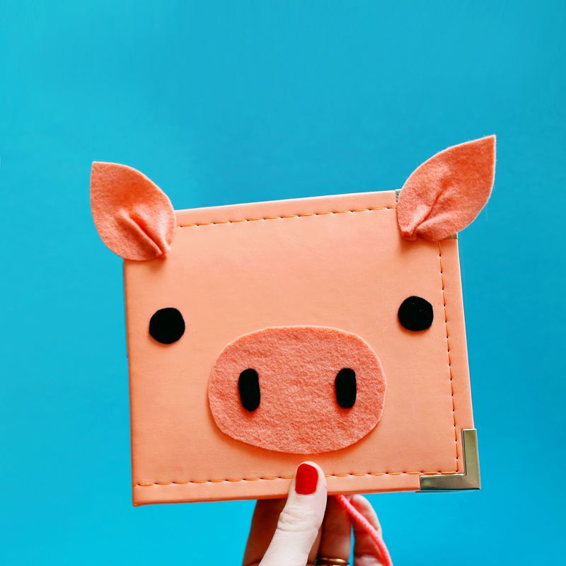 Oink my goodness! it's a piggy scrapbook