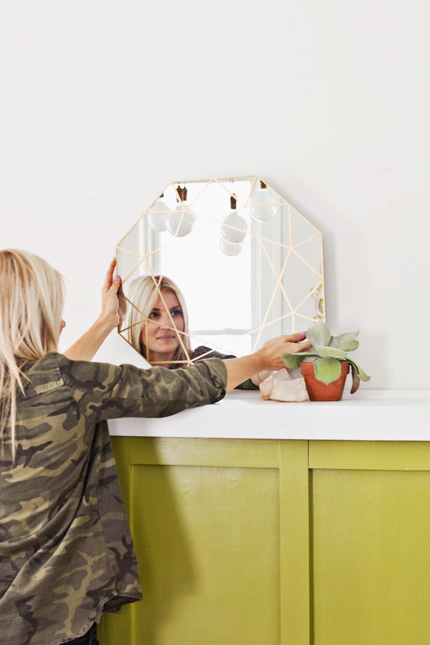 Gem Mirror DIY + Easy Mirror Cutting Technique (click through for tutorial)