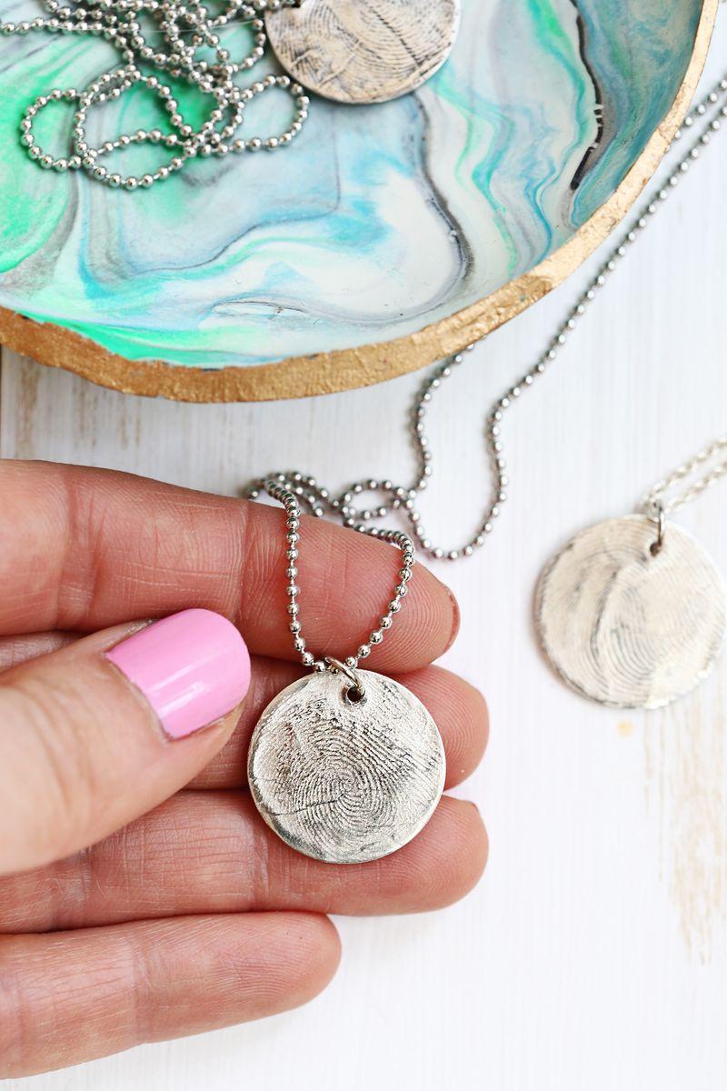 Finger print necklace