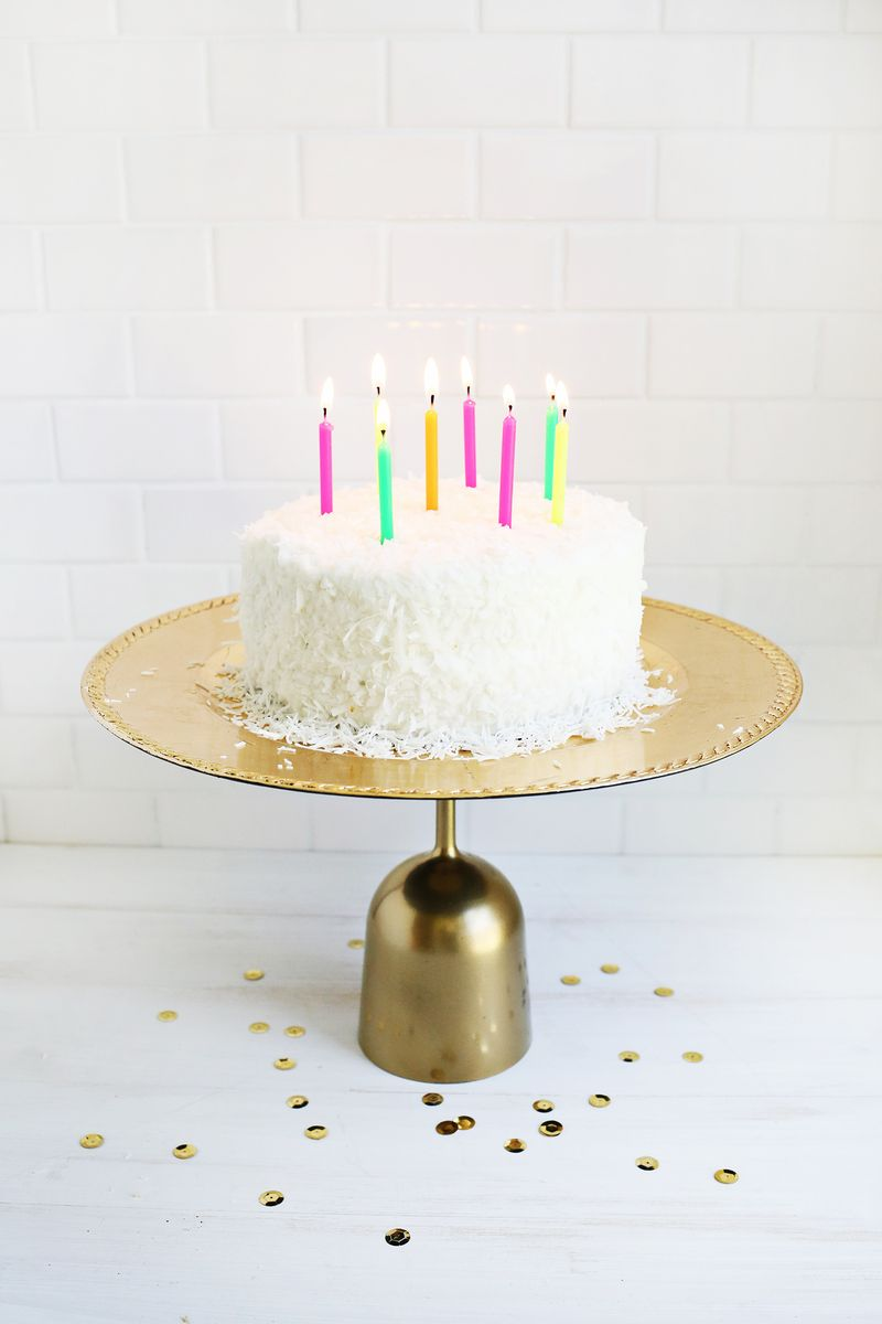 Making these for my next party! 5 Temporary Cake Stand Ideas (click through for more)