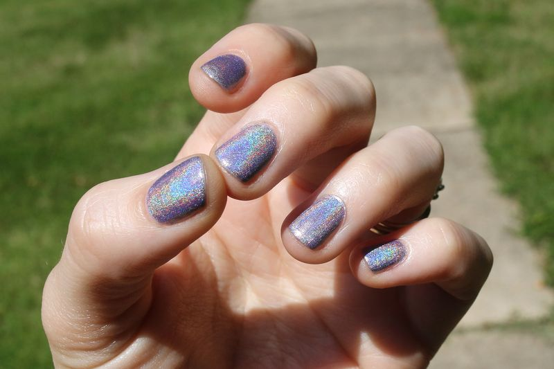 Holographic and Iridescent Nail Polish - A Beautiful Mess