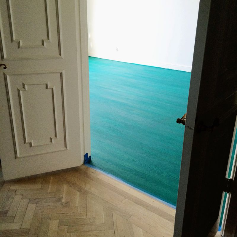 Color washed floor