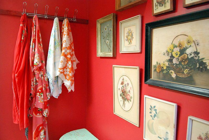 Bathroom decor via At Home with Kimi Encarnacion