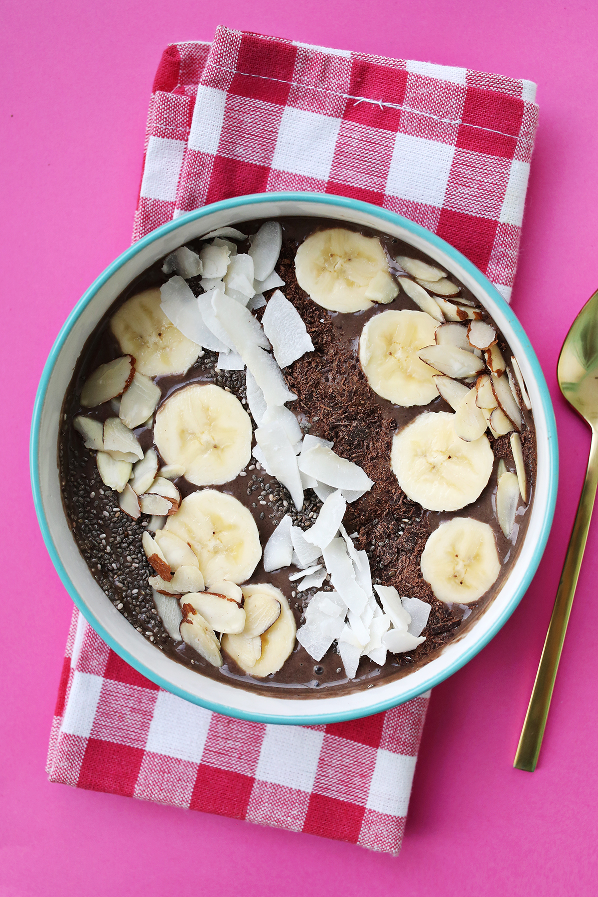 Dark Chocolate Peanut Butter Smoothie Bowl