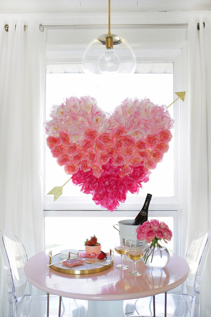Hanging flower heart diy a beautiful mess hanging flower heart diy click through for tutorial arubaitofo Image collections