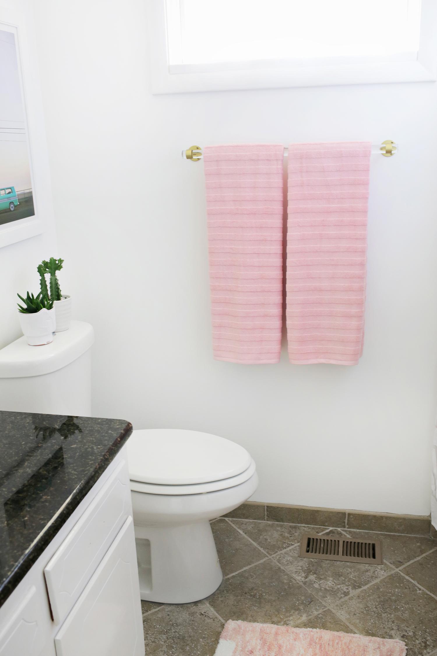Lucite Towel Bar DIY (click through for tutorial)