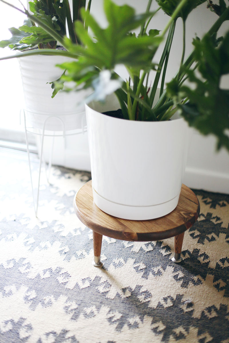 Wooden mid century plant stand DIY