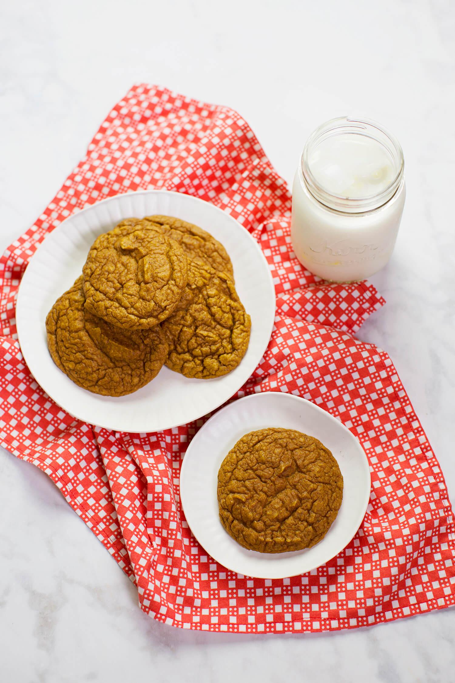 Grain-free Pumpkin Blender Cookies (via sleekbawd.com)