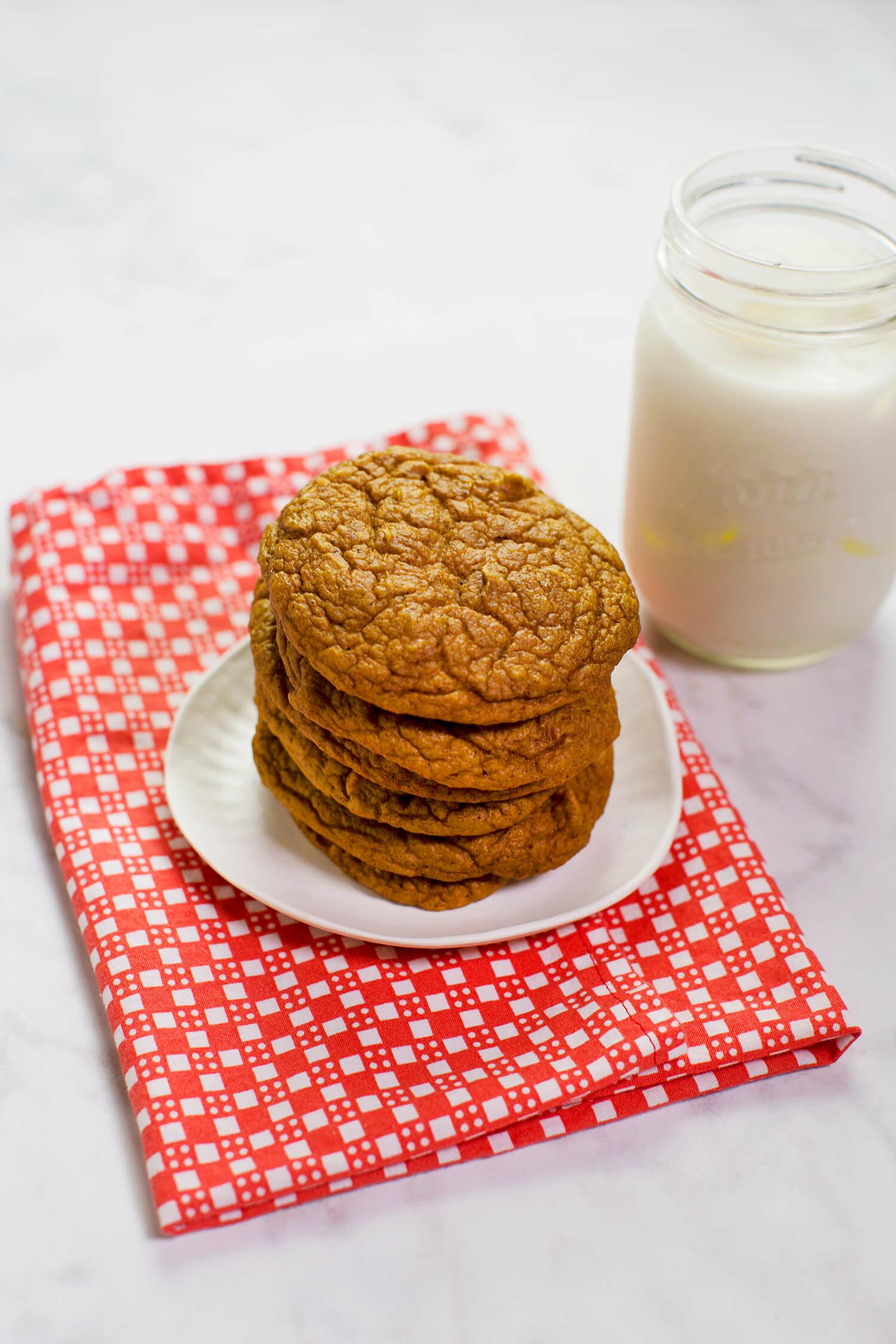 Gluten-free pumpkin blender cookies (via sleekbawd.com)