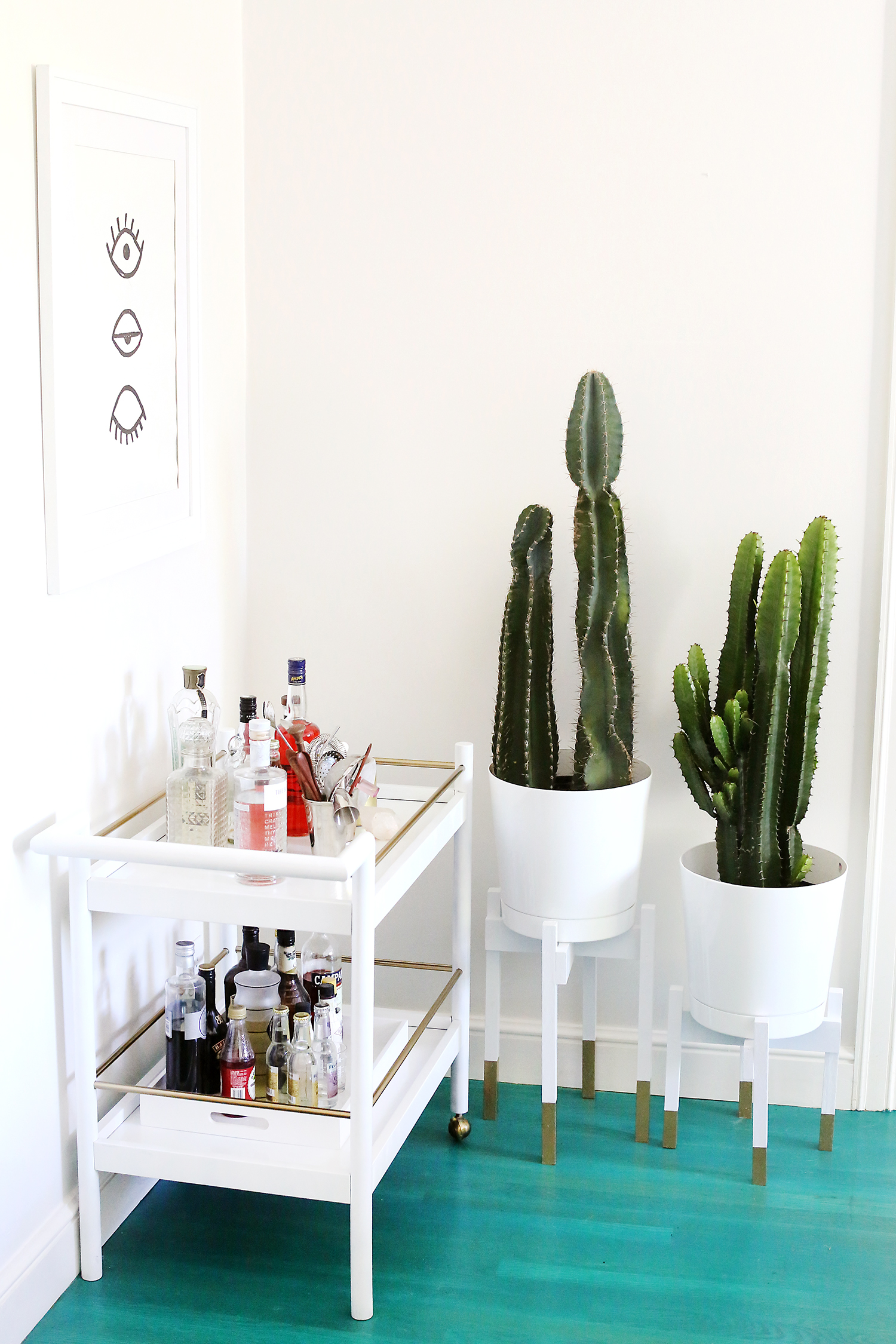 Mid-Century Modern Planter with gold legs... and it's a DIY!!!