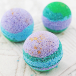 Rainbow & Gold Lustre Bath Bombs