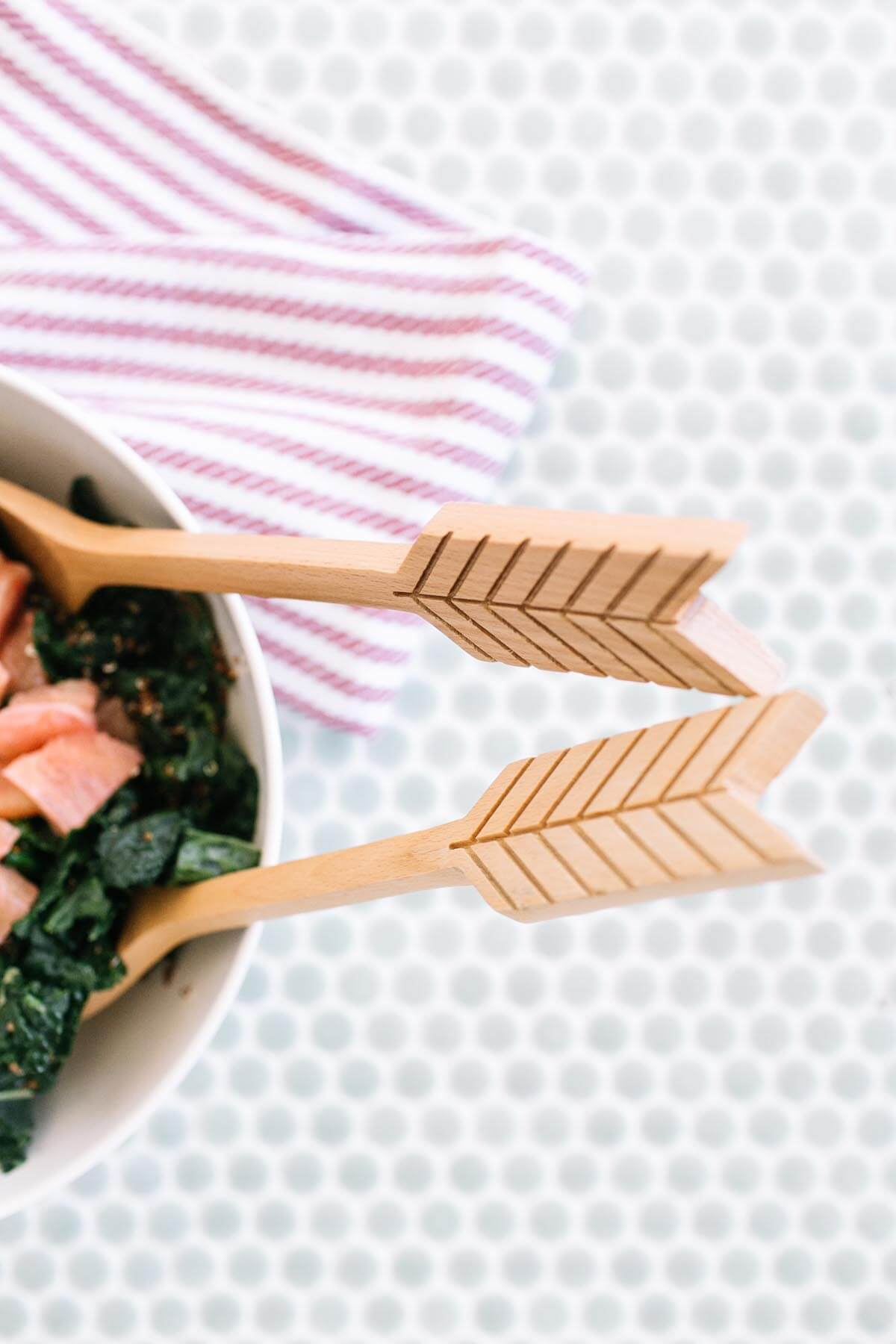 Salad peek