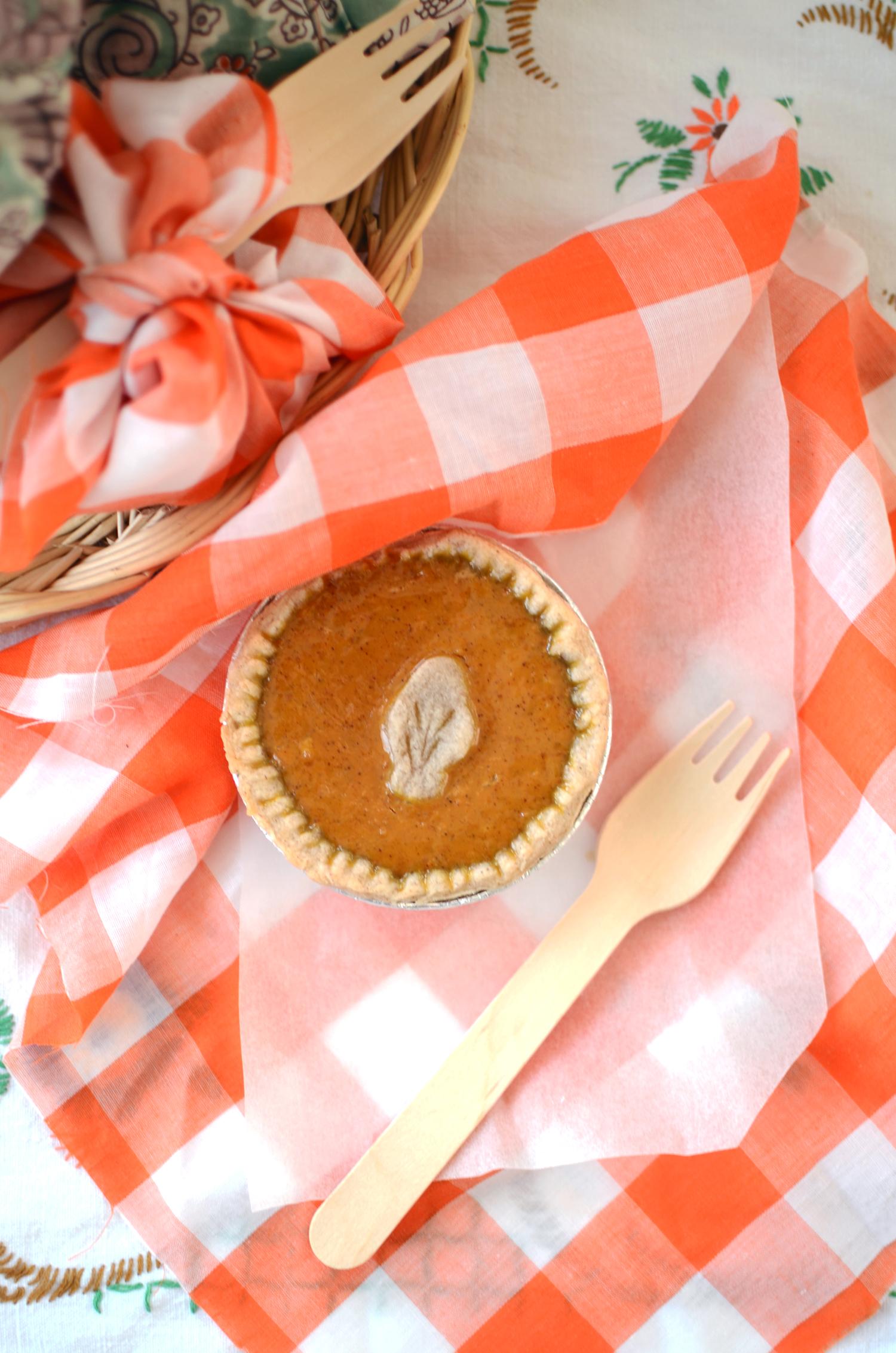 Petite pumpkin pies