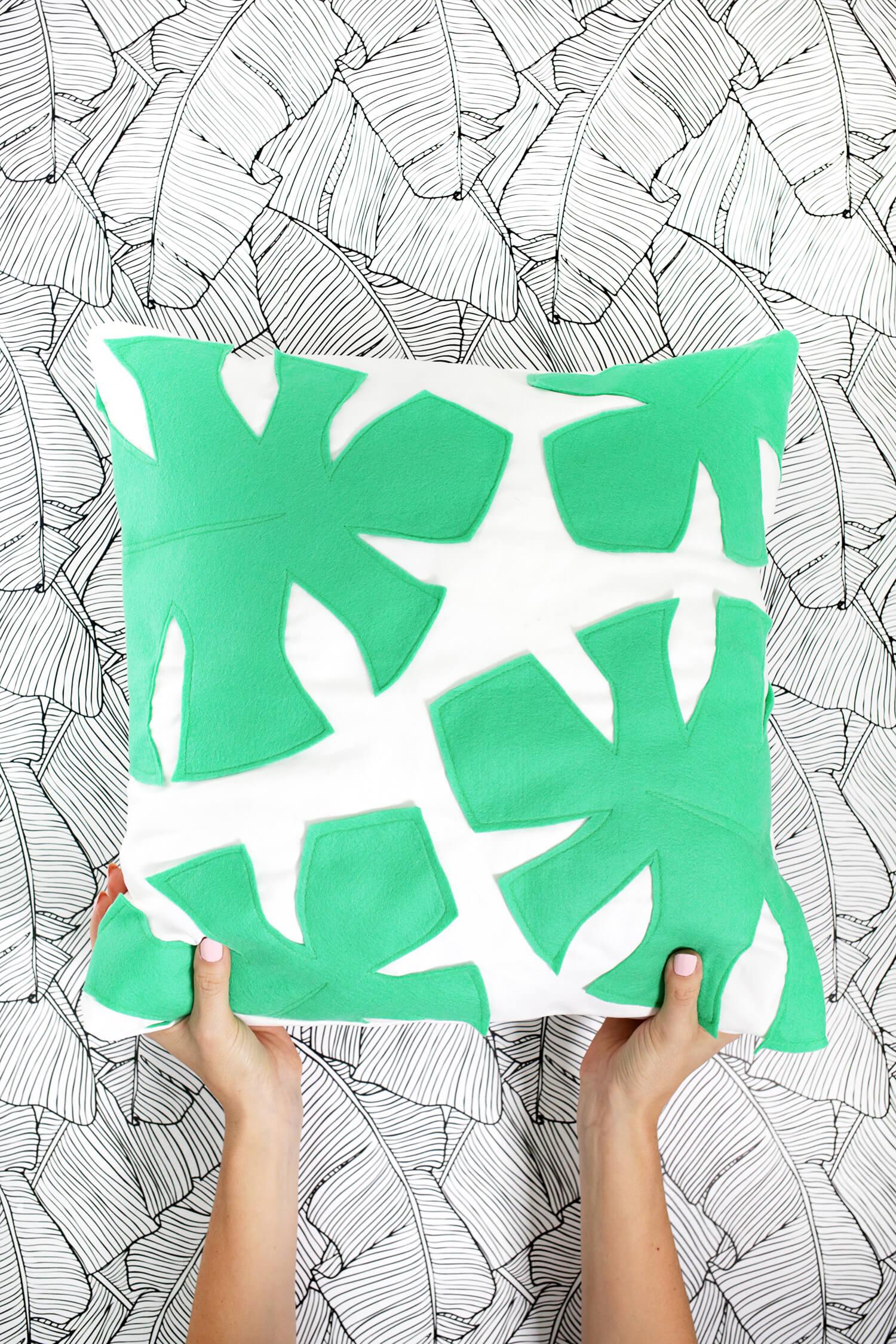 Felt Palm Leaf Pillow DIY