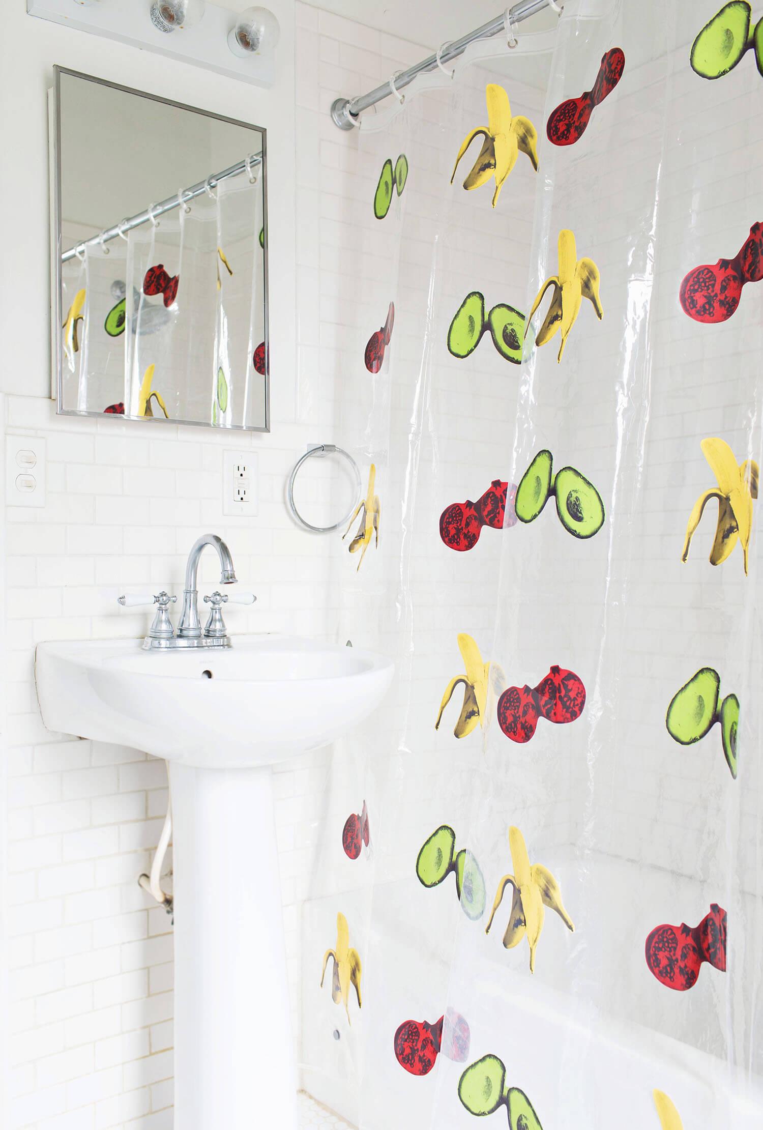 DIY shower curtain (via fitness-4all.com)