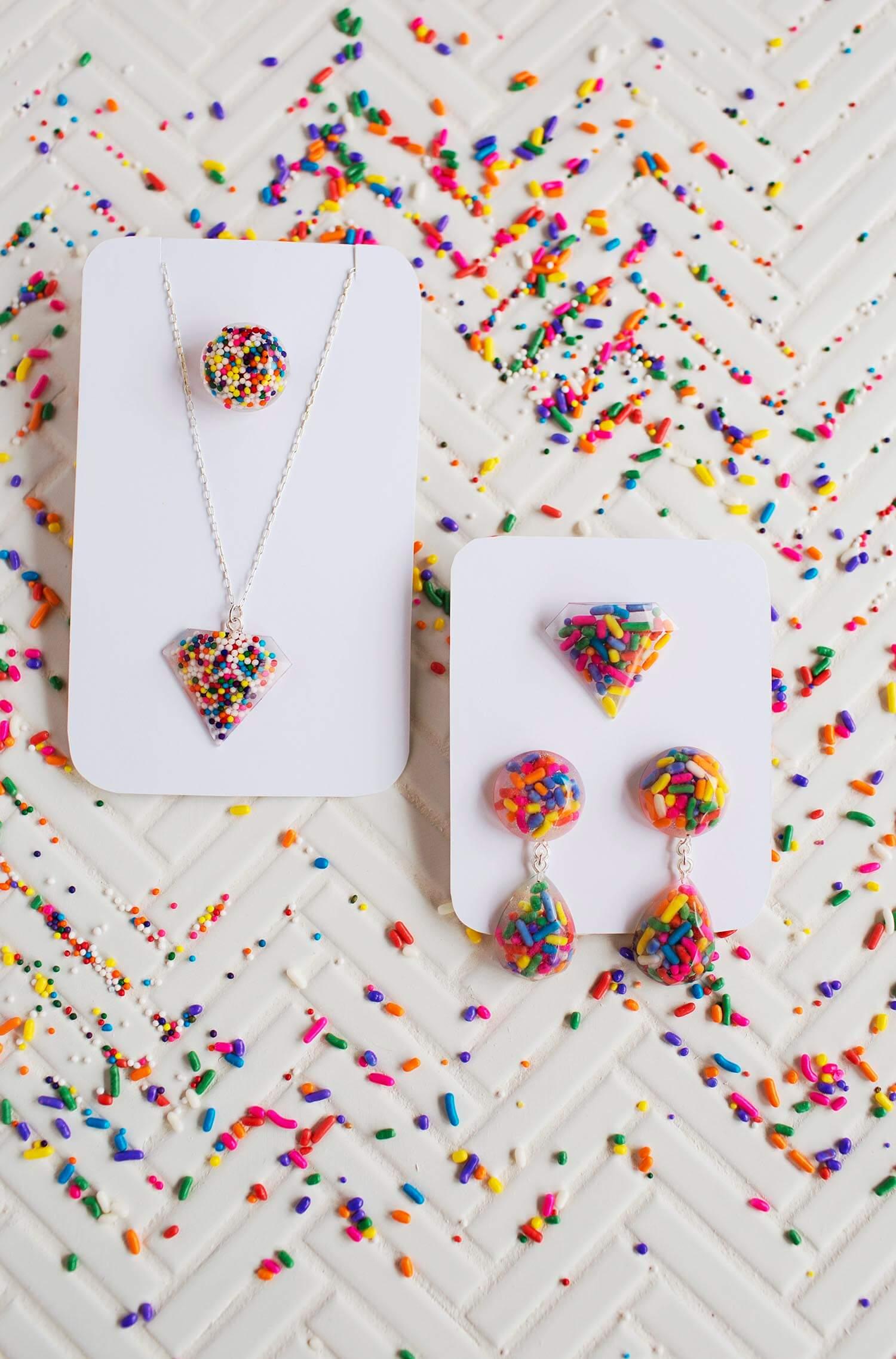 Diy epoxy resin jewelry a beautiful mess sprinkle epoxy resin jewelry solutioingenieria Choice Image