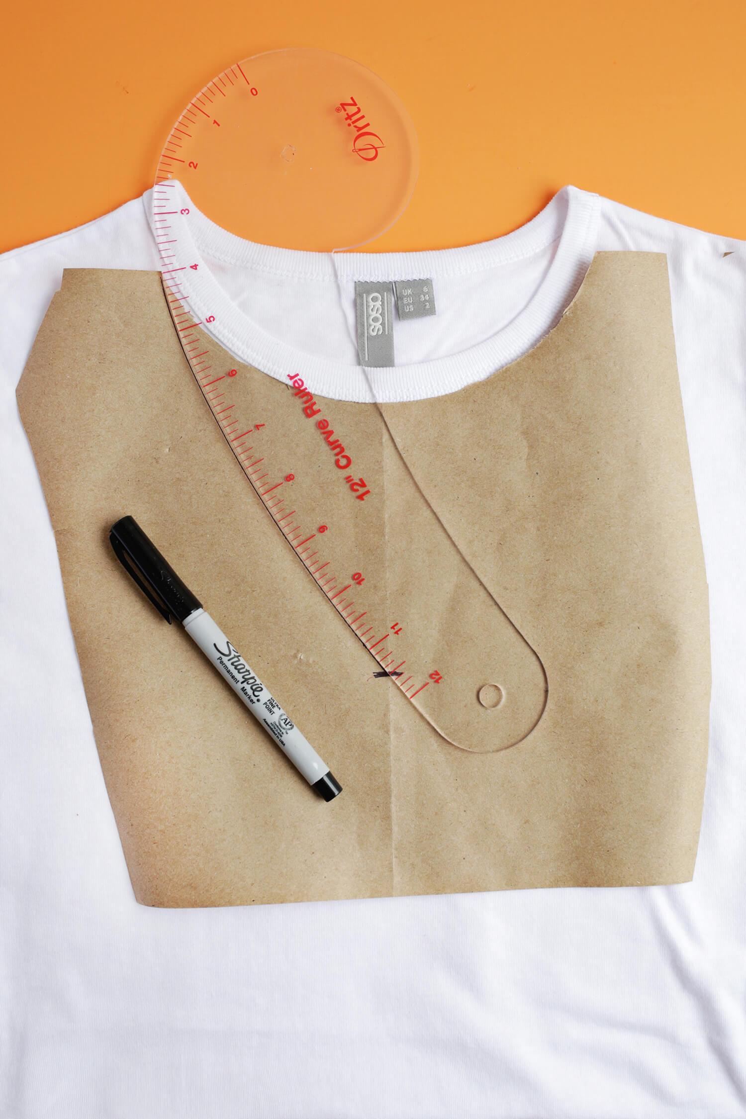 abbastanza Easy Choker T-Shirt DIY – A Beautiful Mess YP76