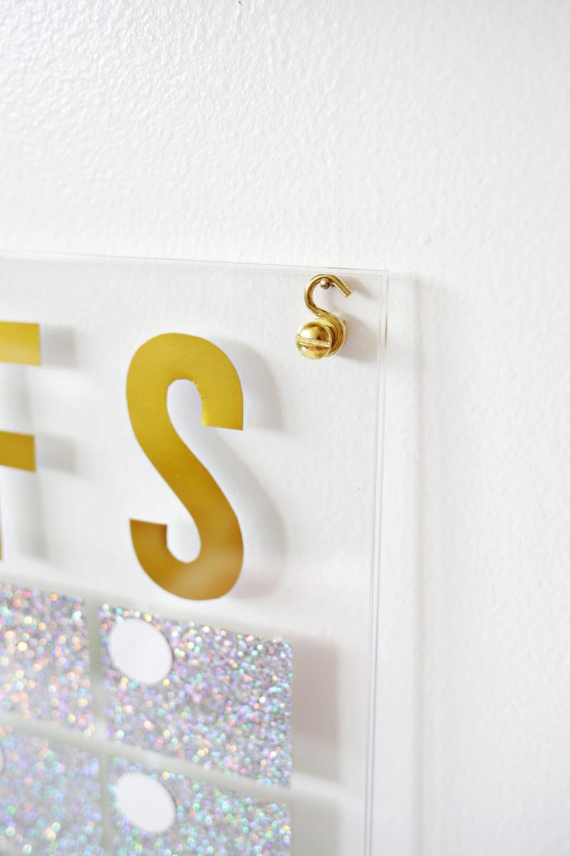 Love this! Acrylic Hologram Calendar DIY (click through for tutorial)