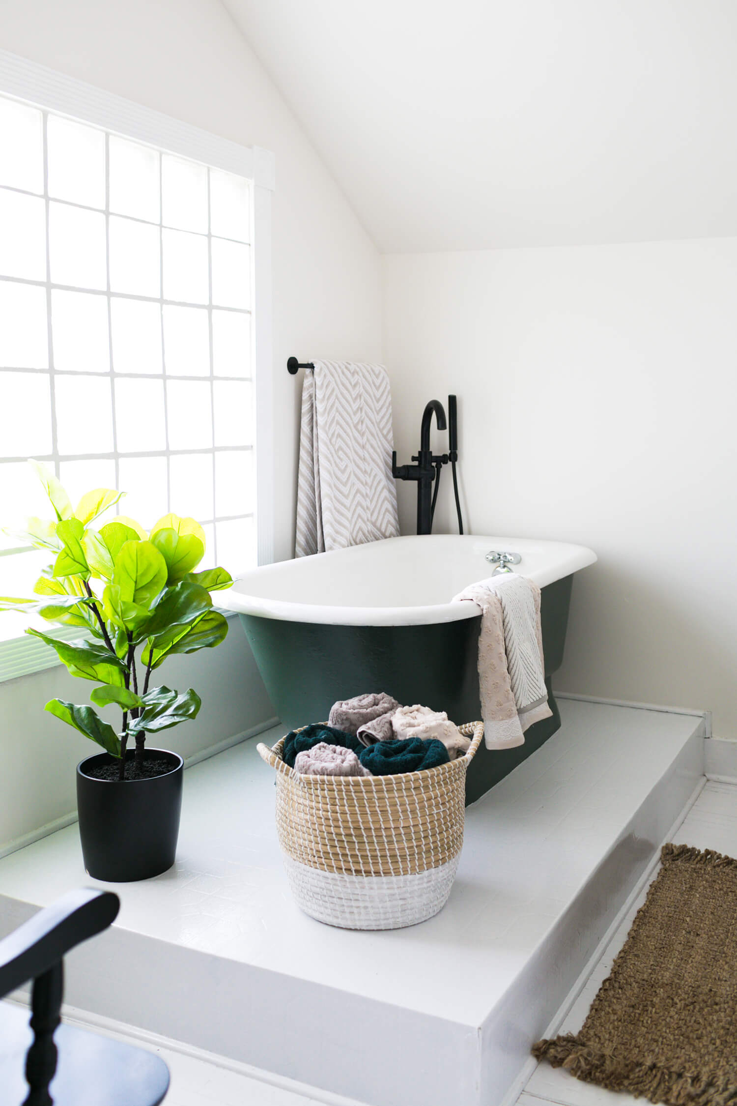 #ElsiesNashvilleBNB Master Bathroom Reveal